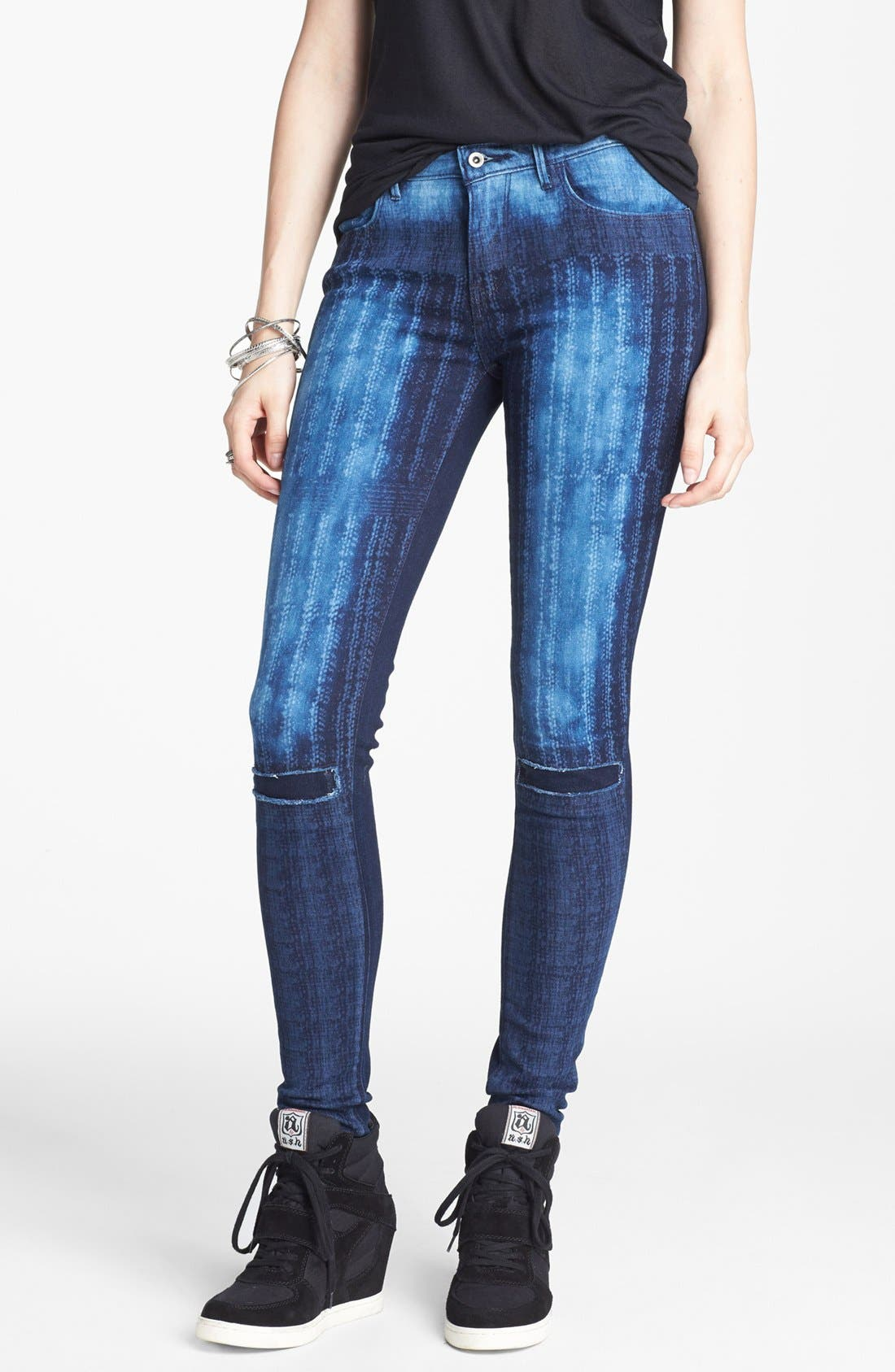 Alternate Image 1 Selected - Levi's® 'The Legging East' Overdyed Skinny Jeans (Dark)