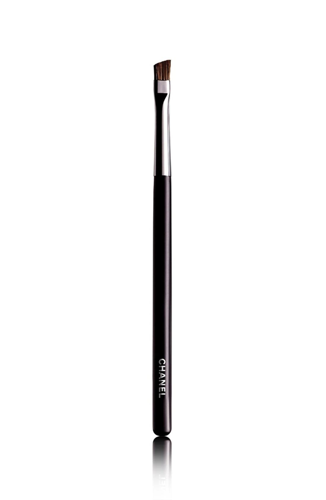 CHANEL PINCEAU SOURCILS BISEAUTÉ 