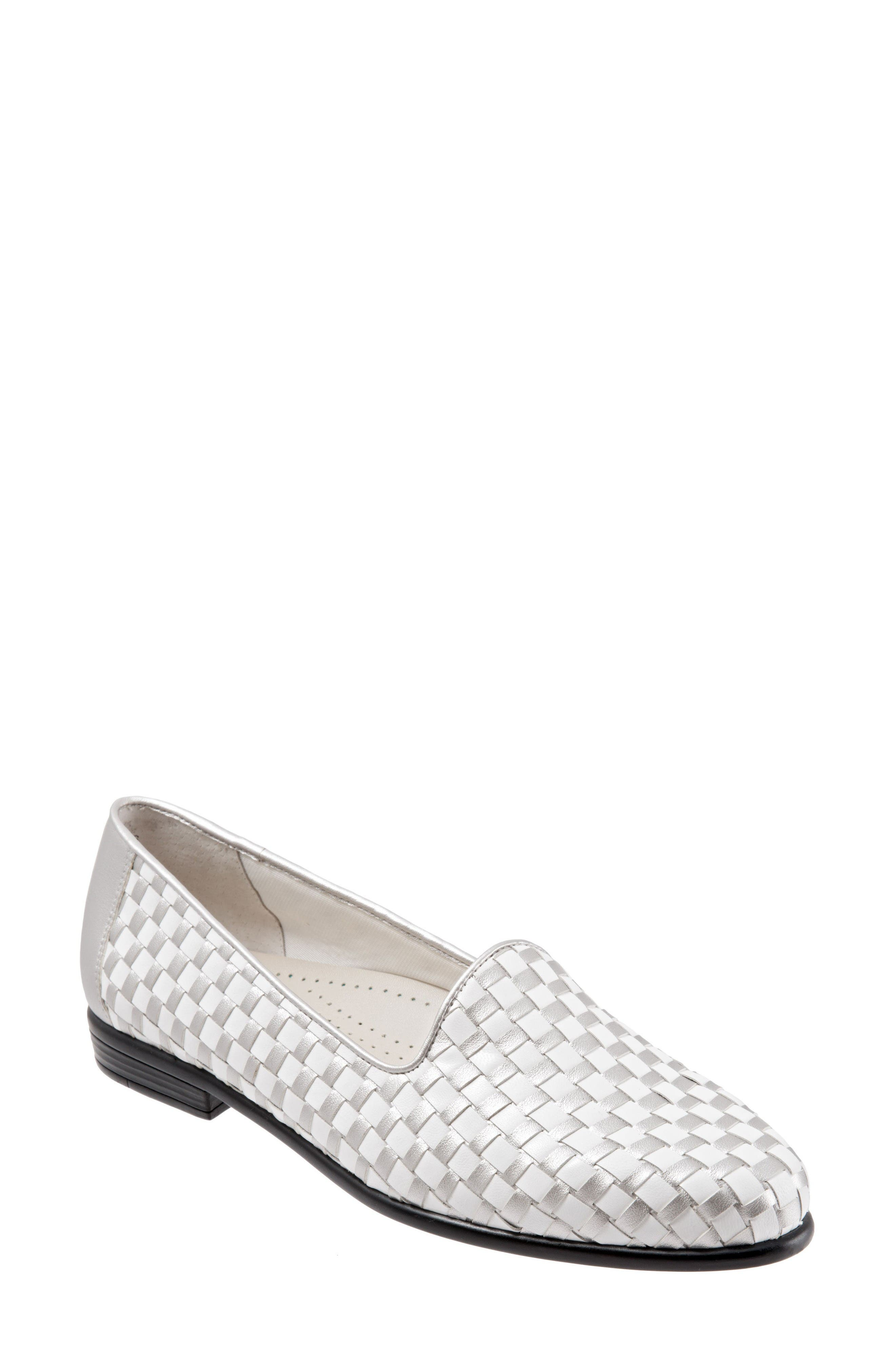 Alternate Image 1 Selected - Trotters Liz Woven Loafer Flat (Women)