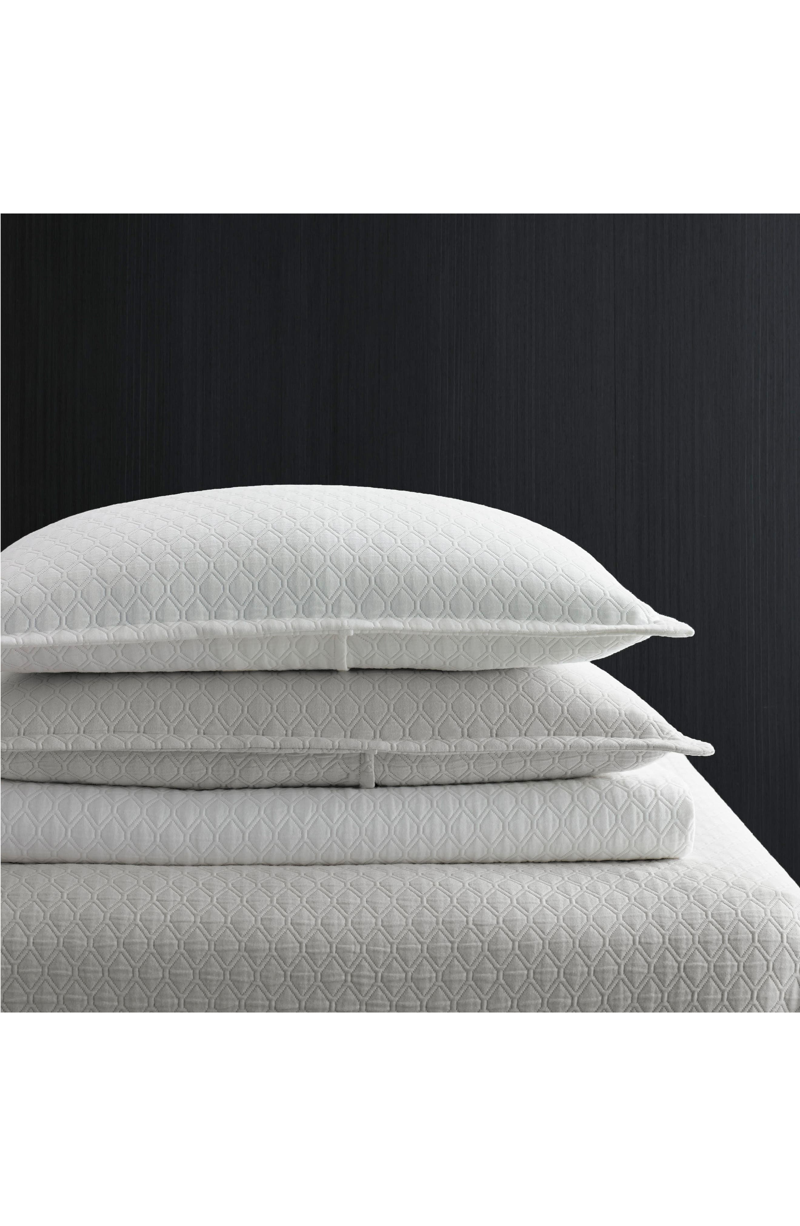 Alternate Image 2  - Vera Wang Puckered Diamond Matelassé Coverlet