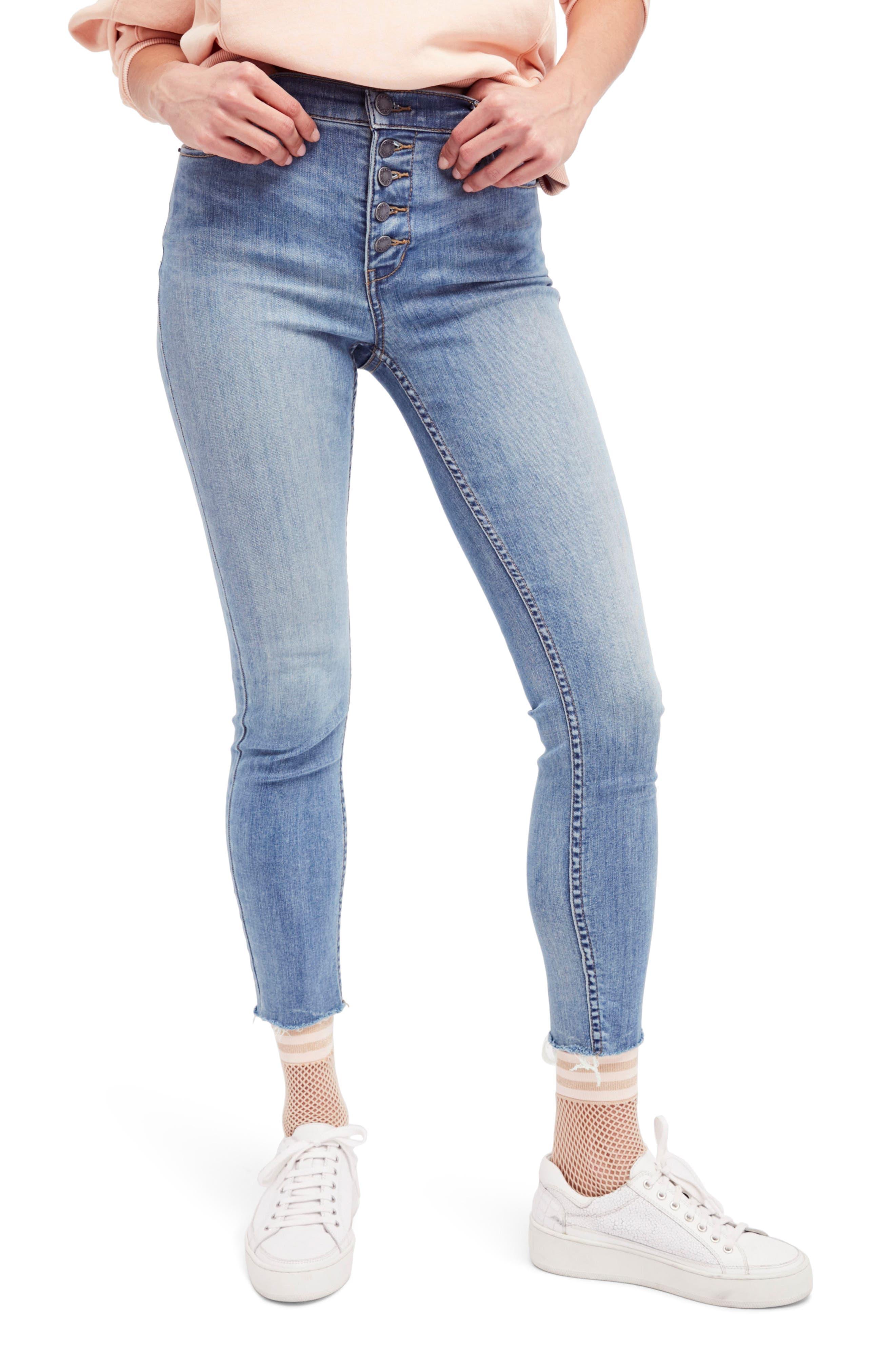 Alternate Image 1 Selected - Free People Reagan Crop Skinny Jeans (Sky)