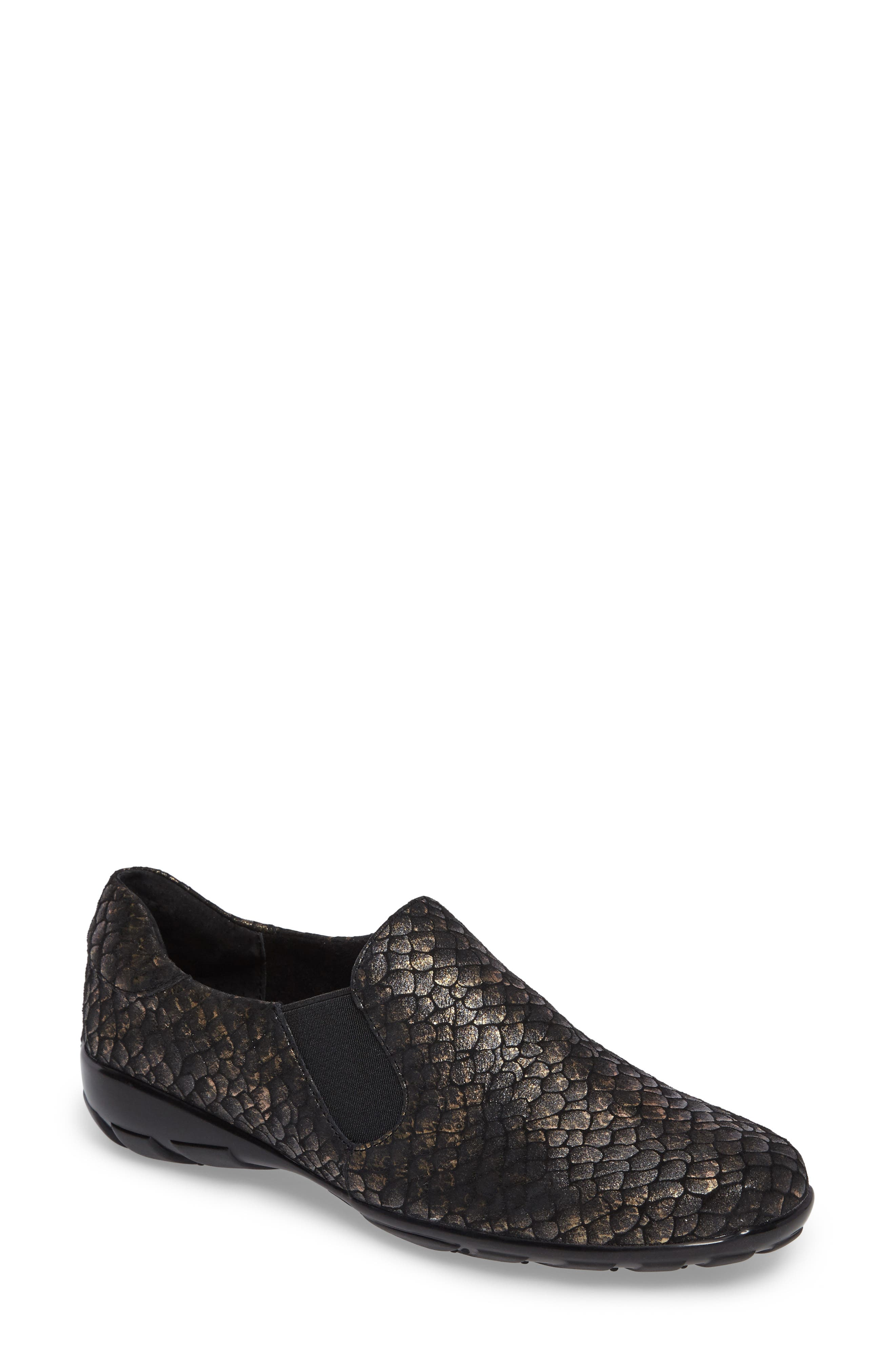 VANELi 'Anemone' Loafer (Online Only)