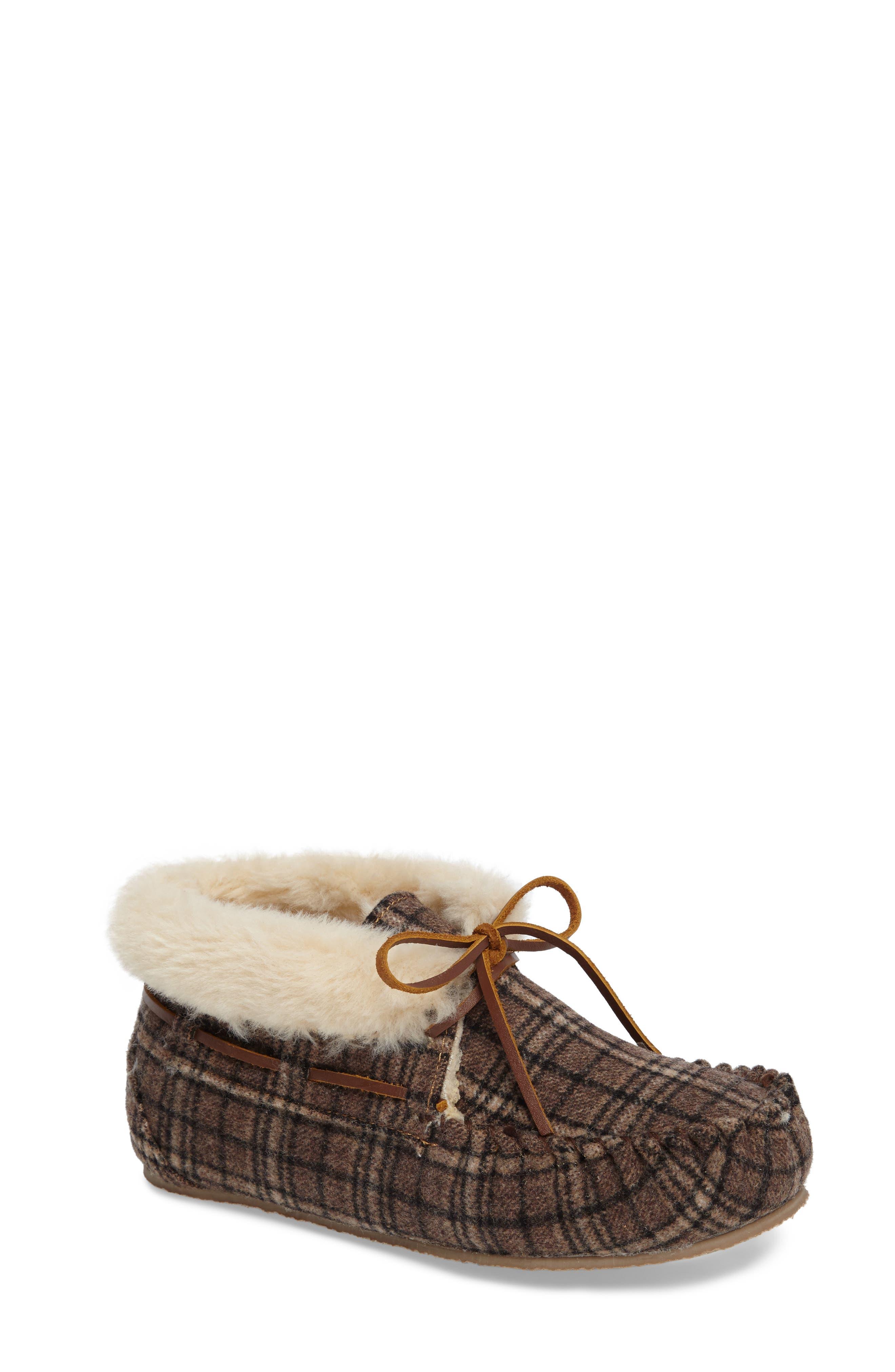 Minnetonka Chrissy Faux Fur Lined Slipper (Women)