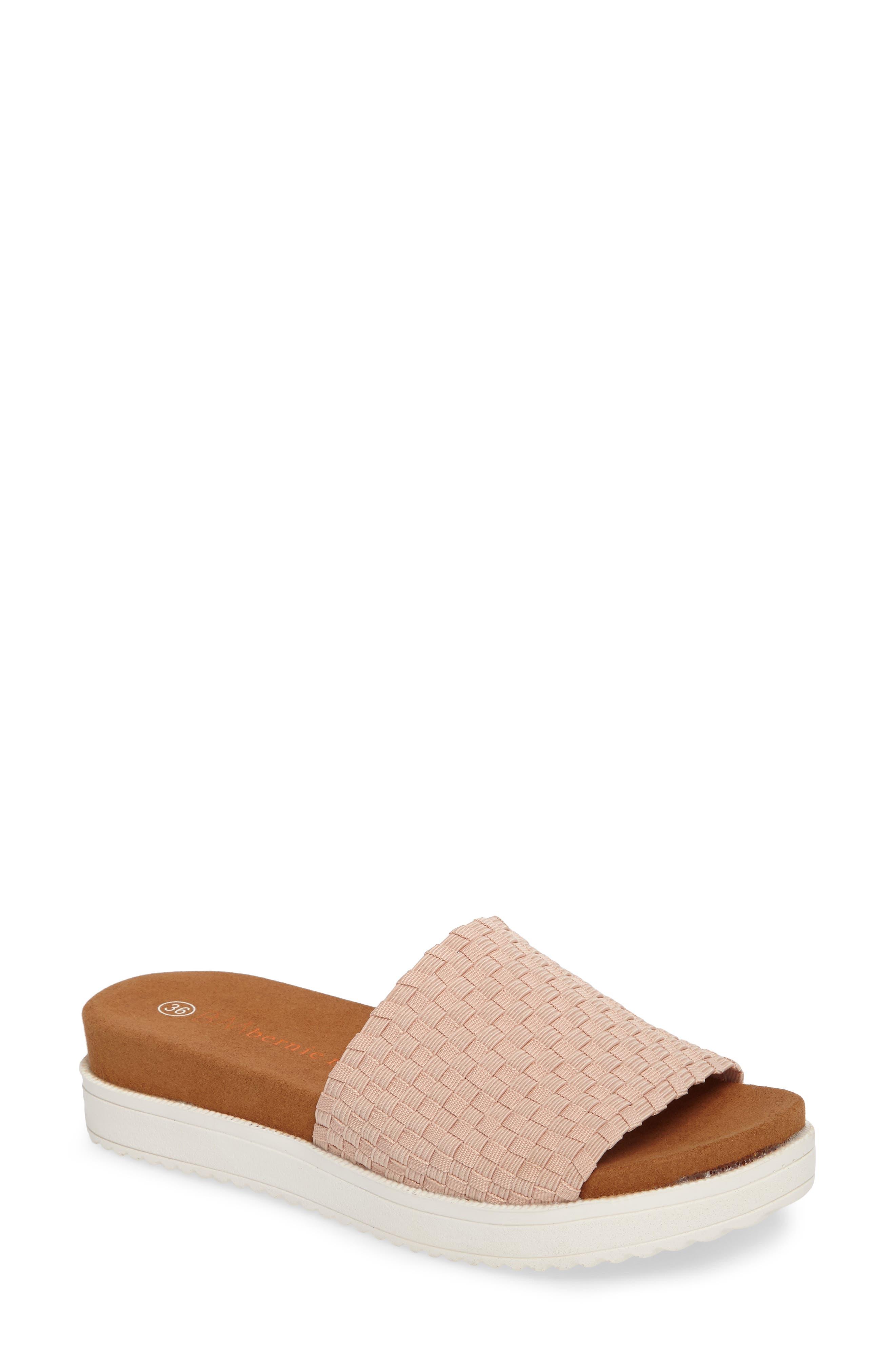 bernie mev. Capri Slide Sandal (Women)