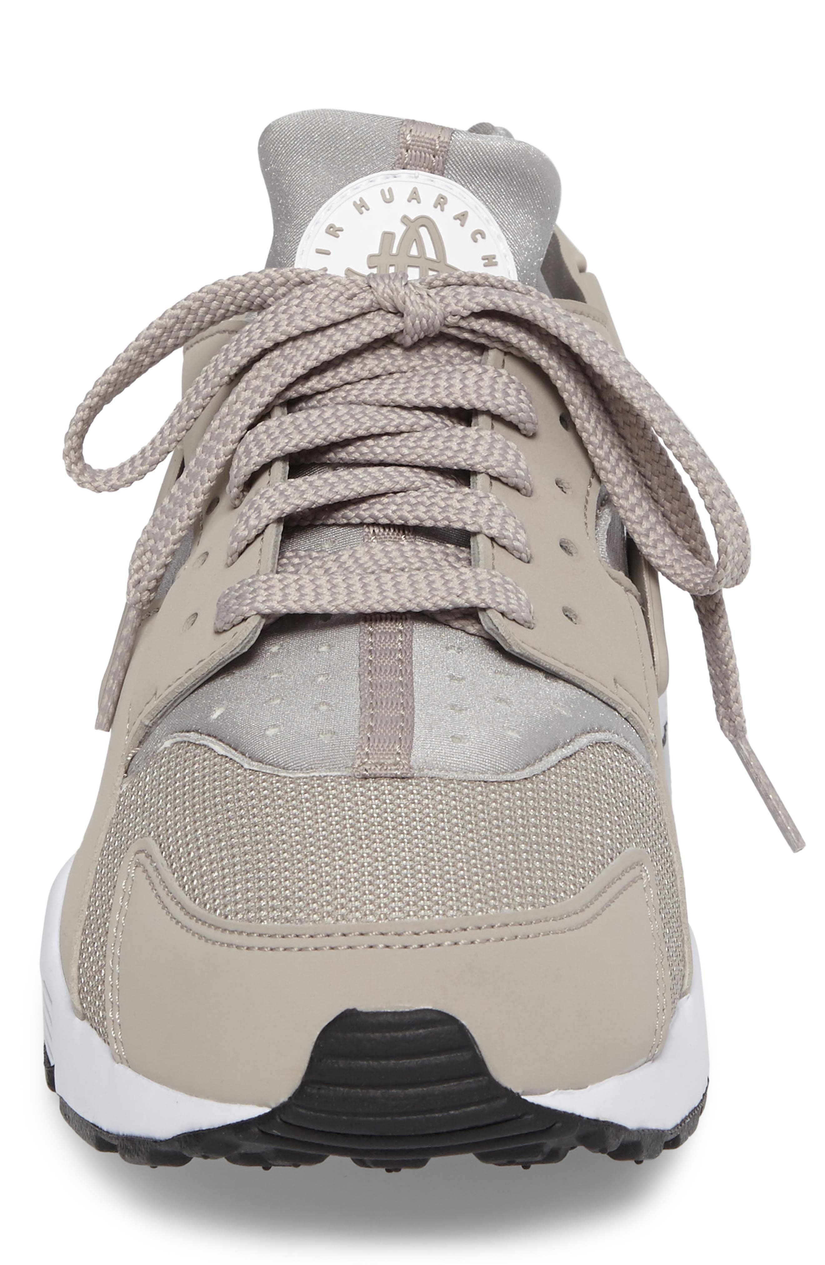 Alternate Image 4  - Nike 'Air Huarache' Sneaker (Men)
