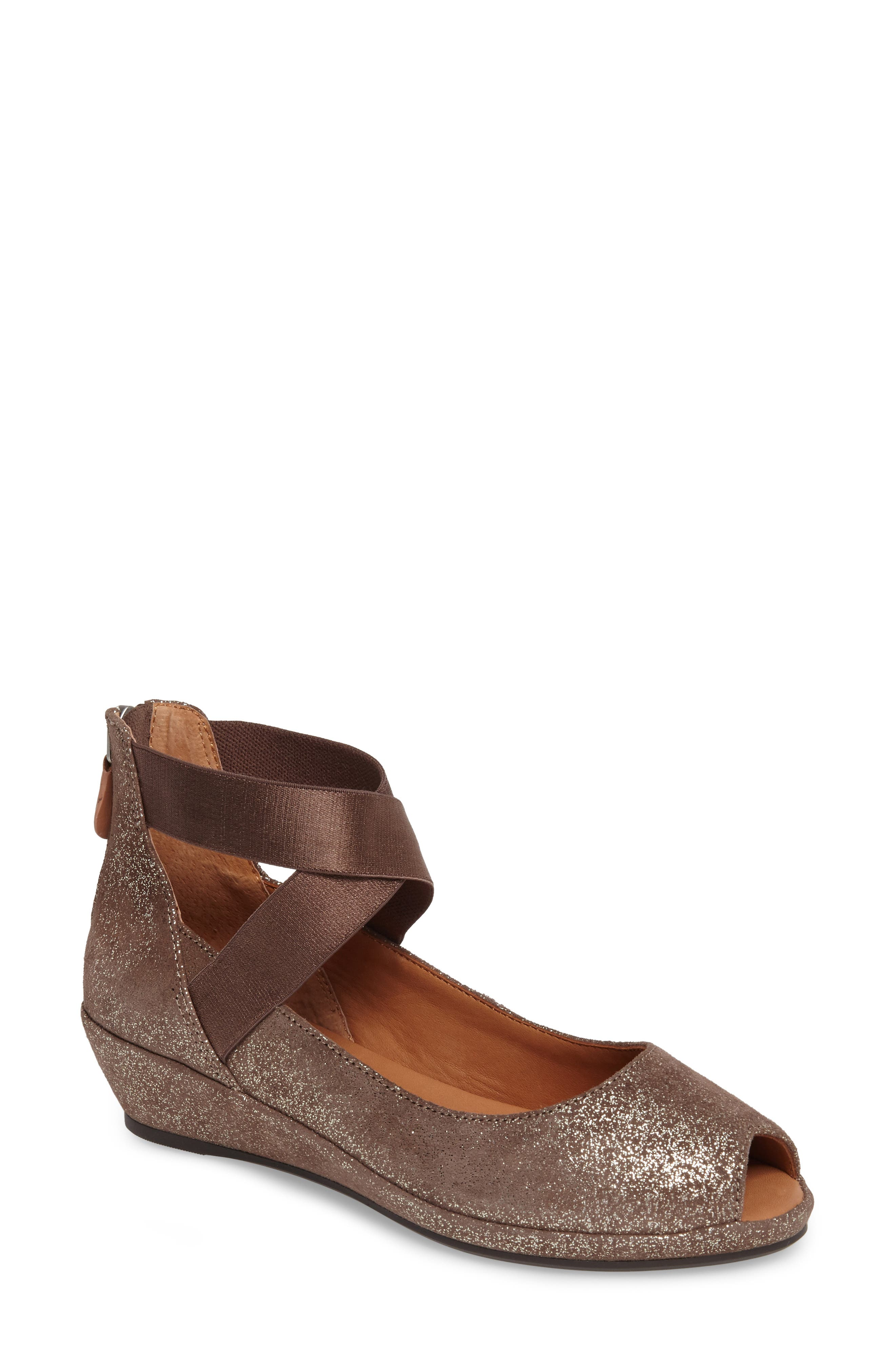 Main Image - Gentle Souls Lisa Wedge Pump (Women)