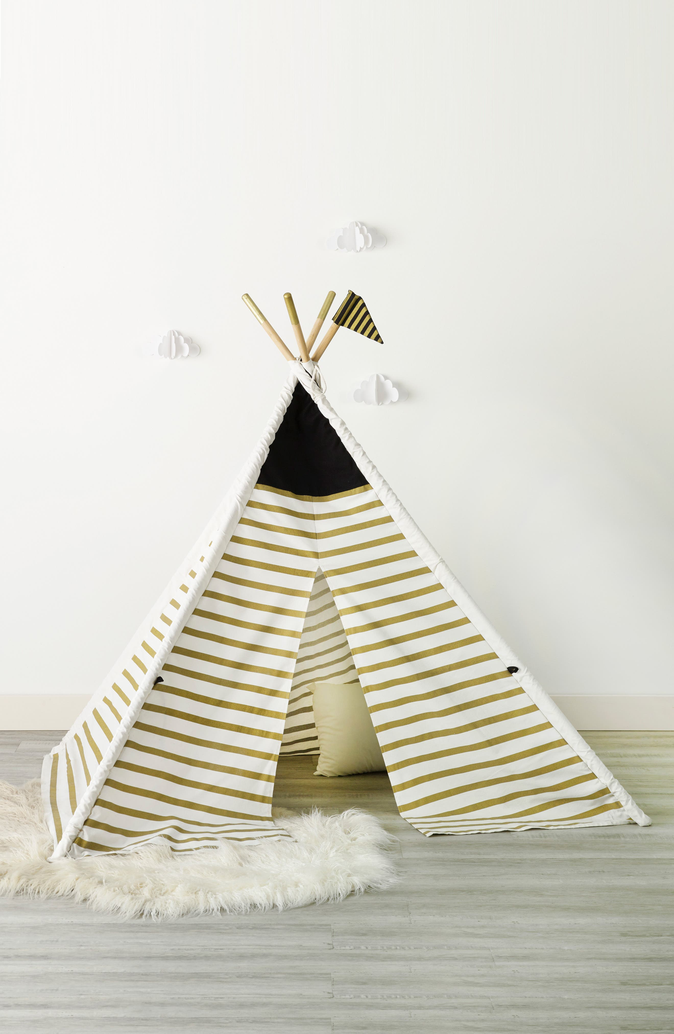 Main Image - FAO Schwarz Teepee Play Tent & FAO Schwarz Teepee Play Tent | Nordstrom