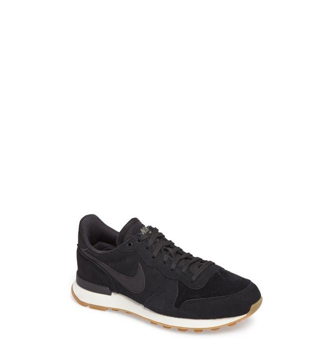 Main Image - Nike Internationalist SE Sneaker (Women)