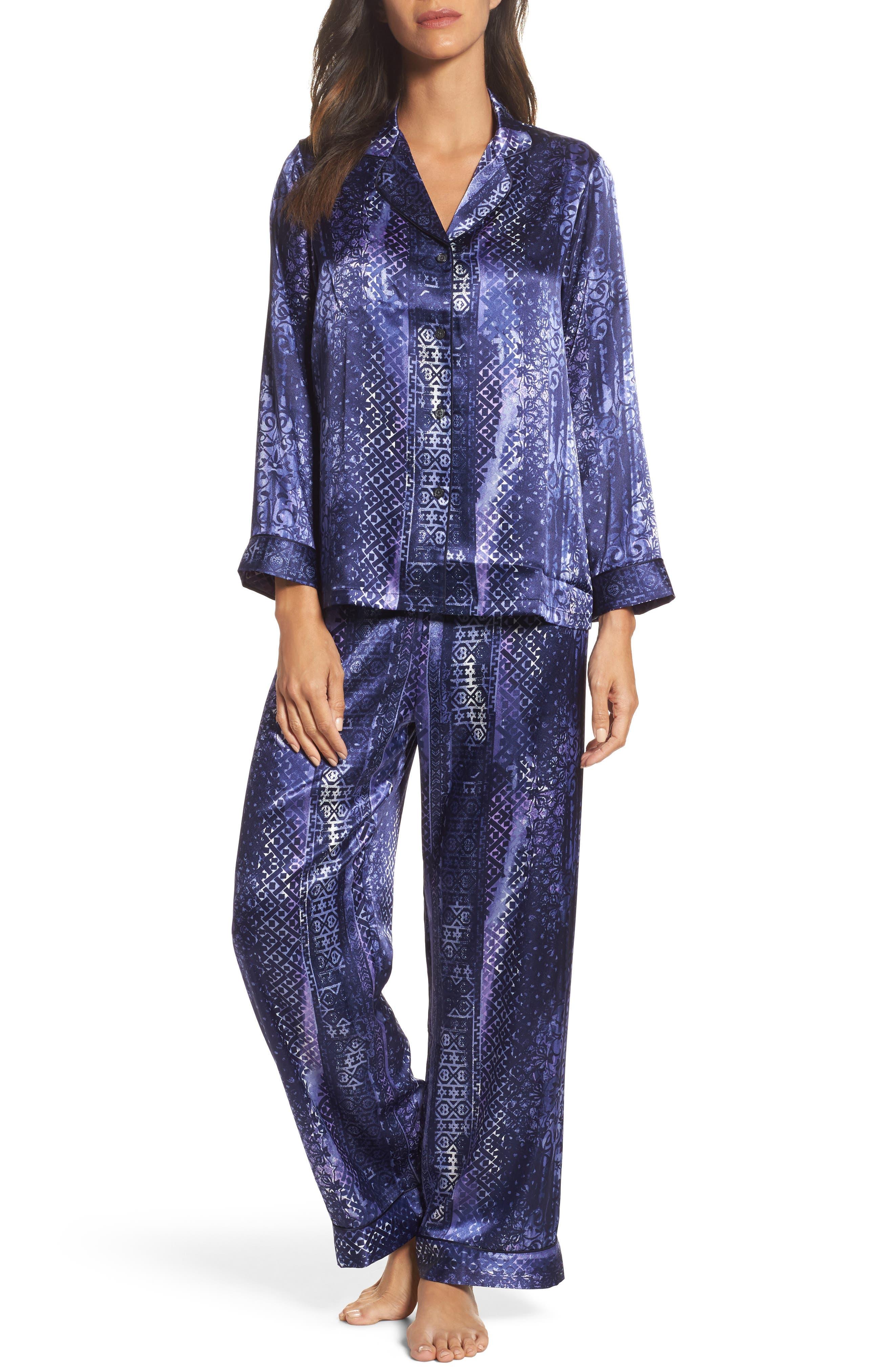 Main Image - Oscar de la Renta Sleepwear Charmeuse Pajamas