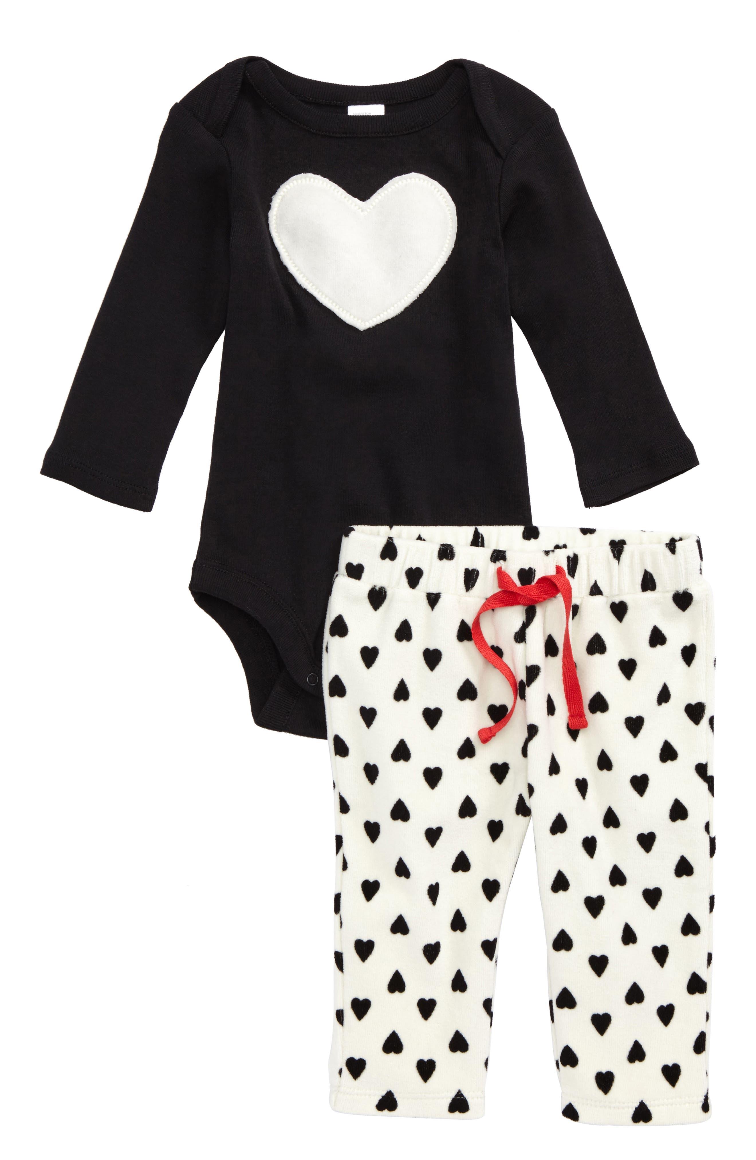 Appliqué Bodysuit & Fleece Pants Set,                         Main,                         color, Black- Ivory Heart