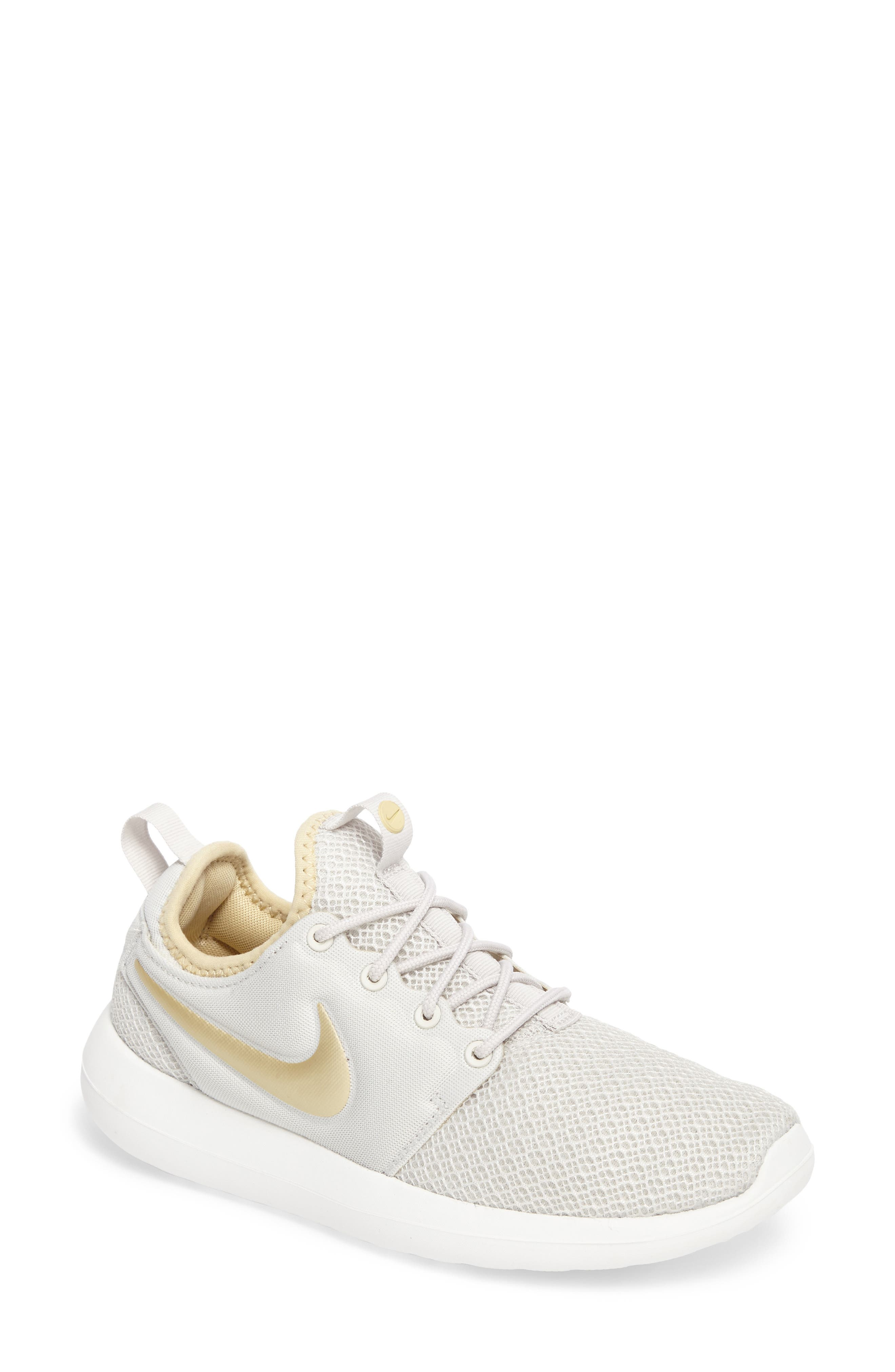 Nike Roshe Two Sneaker (Women)