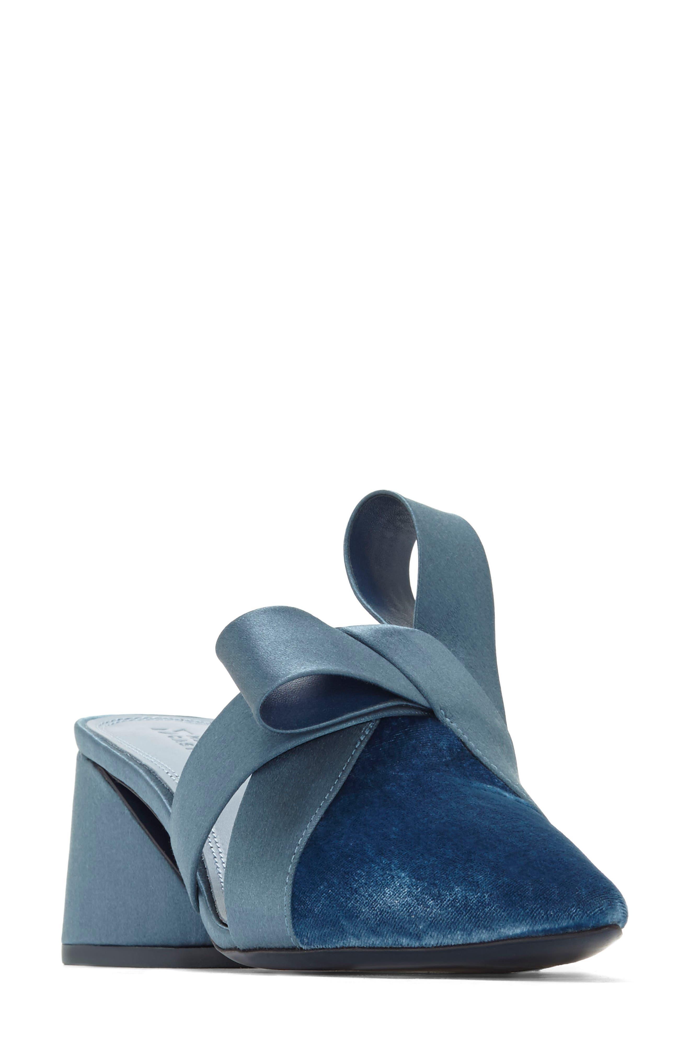 Blanche Mule,                         Main,                         color, Steel