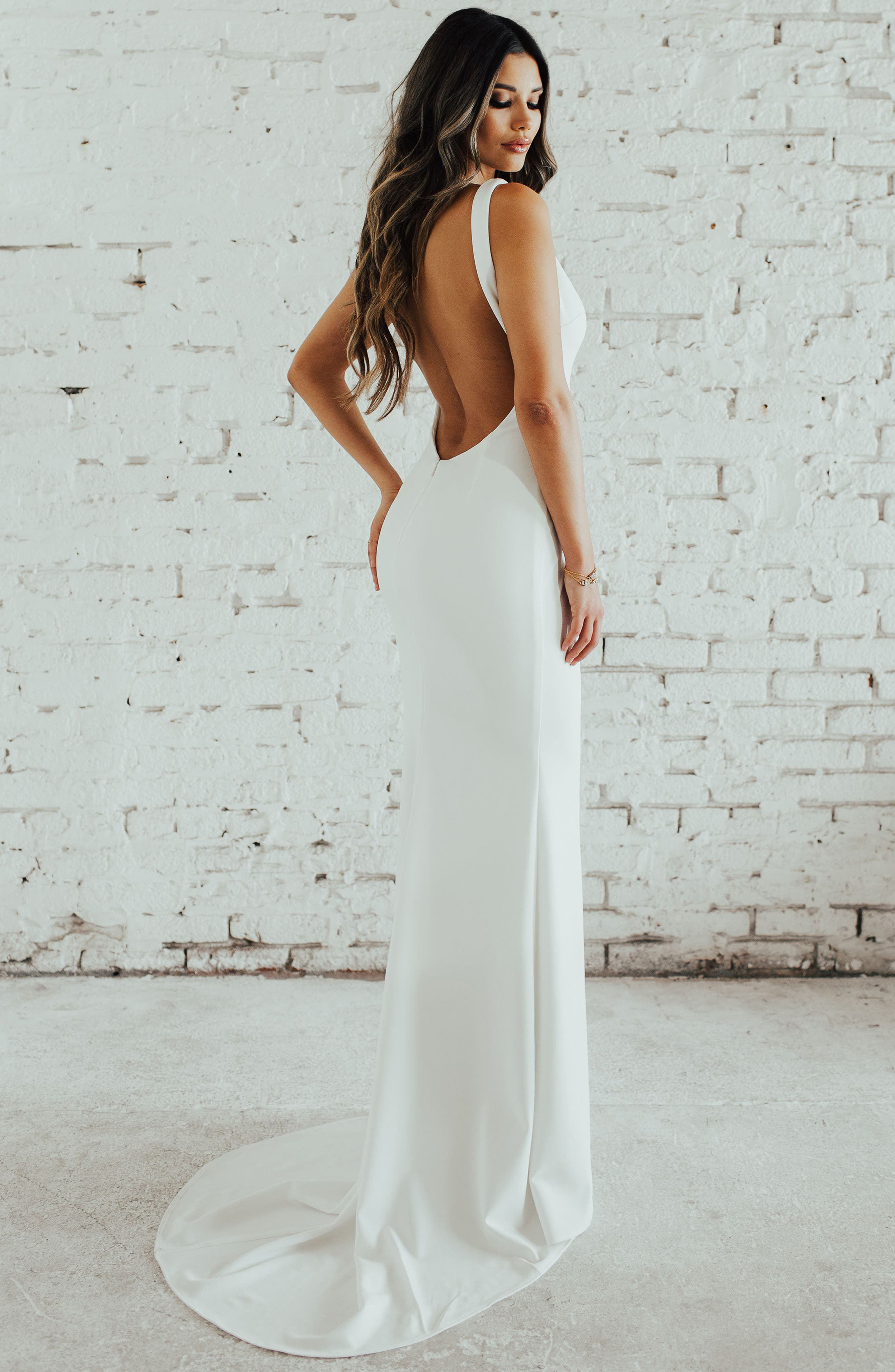 Paloma Plunge Back Trumpet Gown,                             Alternate thumbnail 4, color,                             Ivory