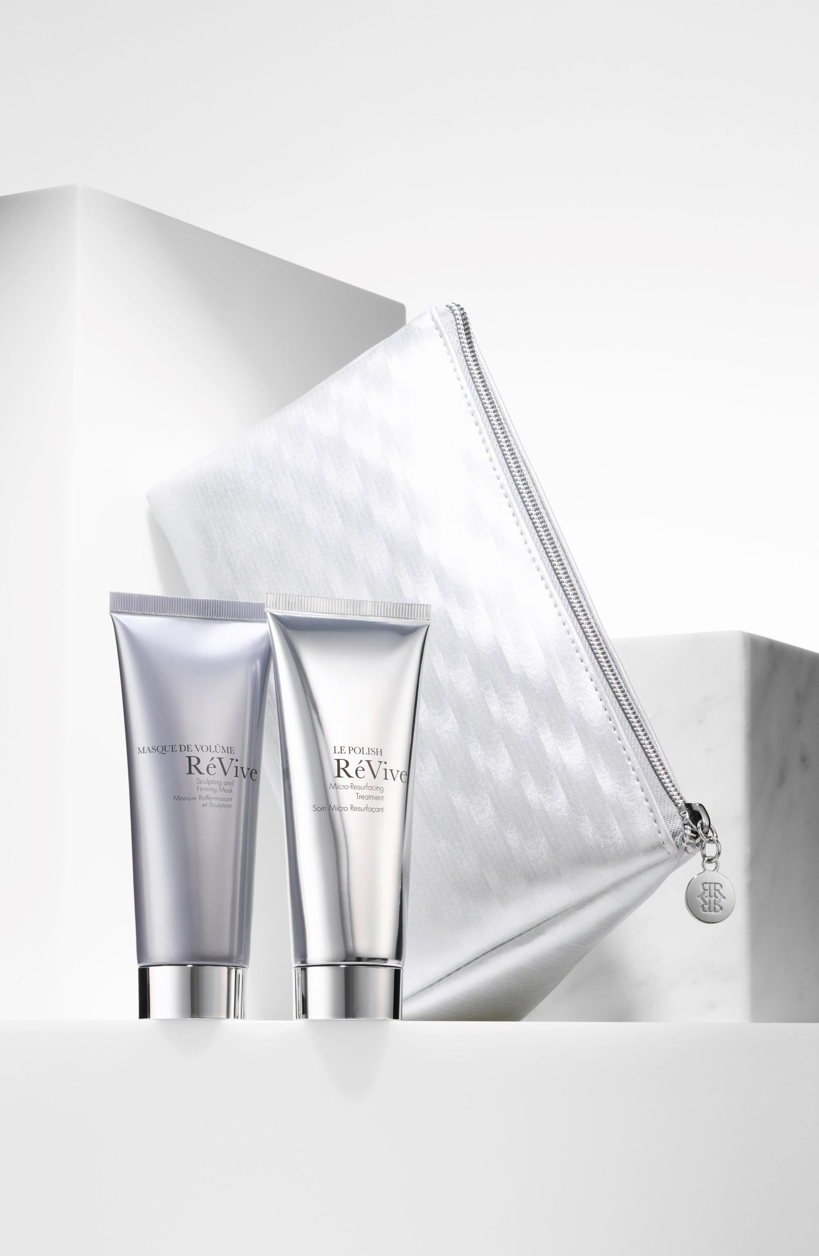 RéVive® Perfect Companion Volumizing Travel Collection (Limited Edition)