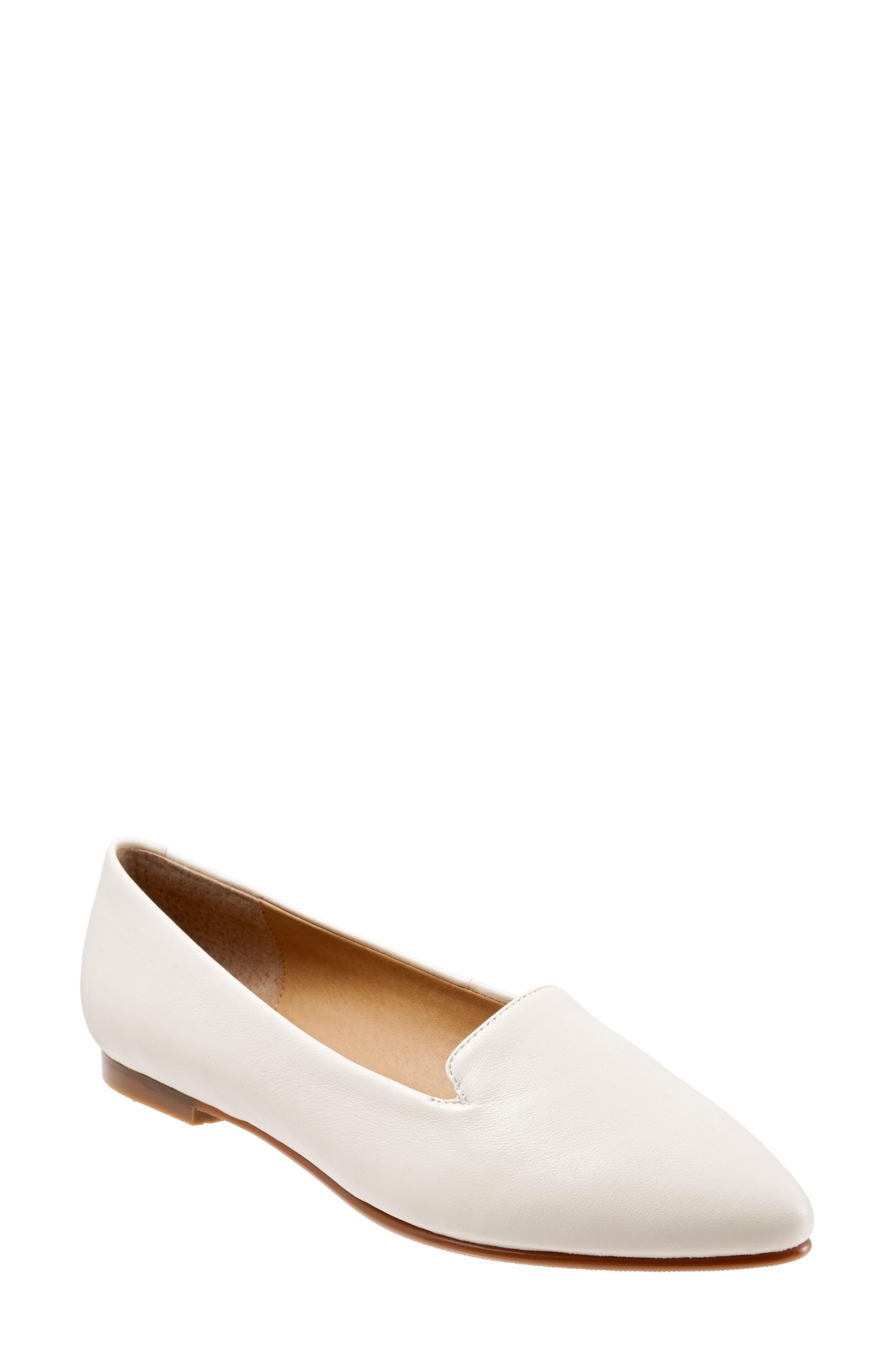 Trotters Harlowe Pointy Toe Loafer (Women)