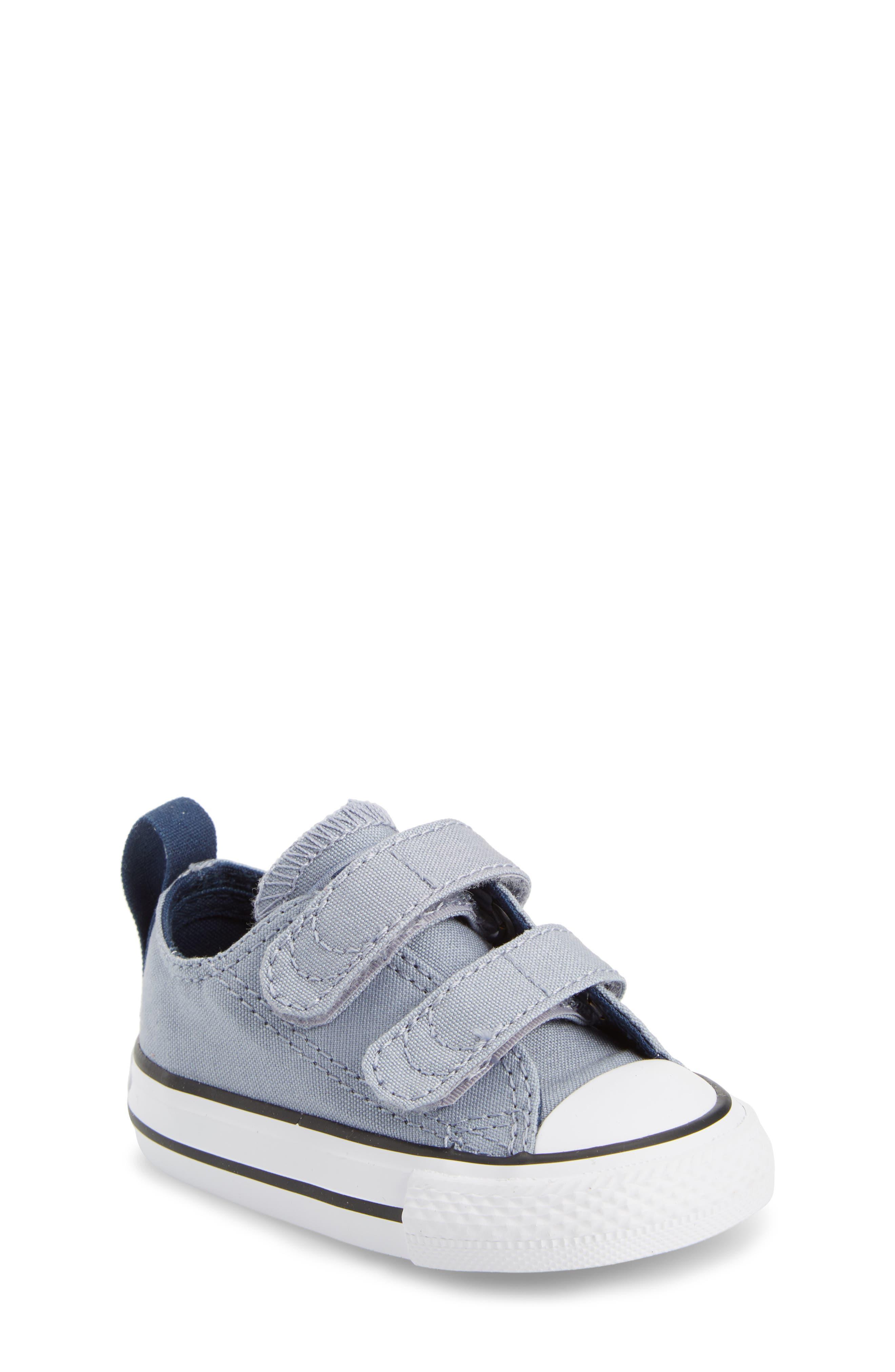 Chuck Taylor<sup>®</sup> All Star<sup>®</sup> Sneaker,                         Main,                         color, Glacier Grey