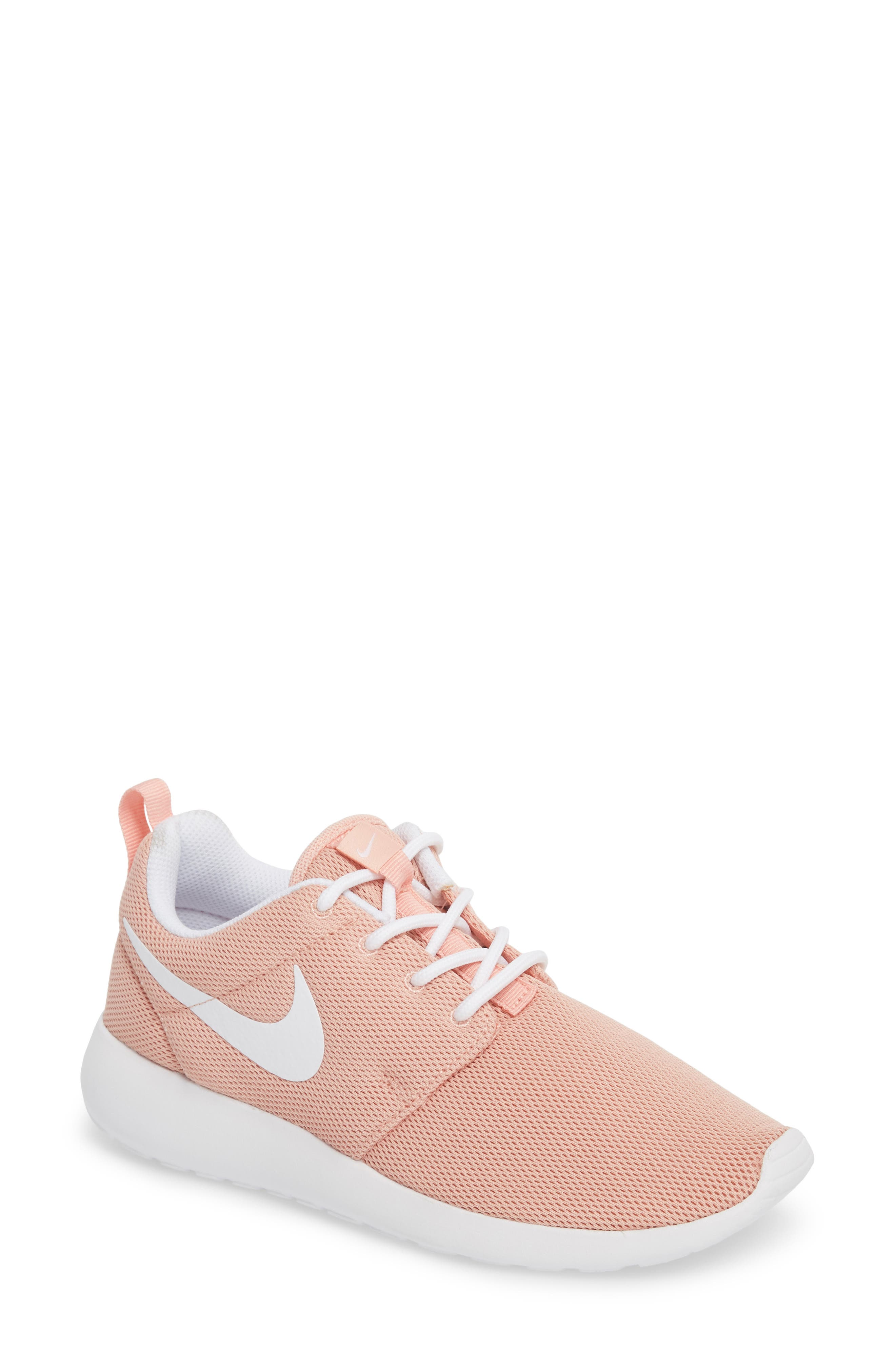 Nike 'Roshe One' Sneaker (Women)