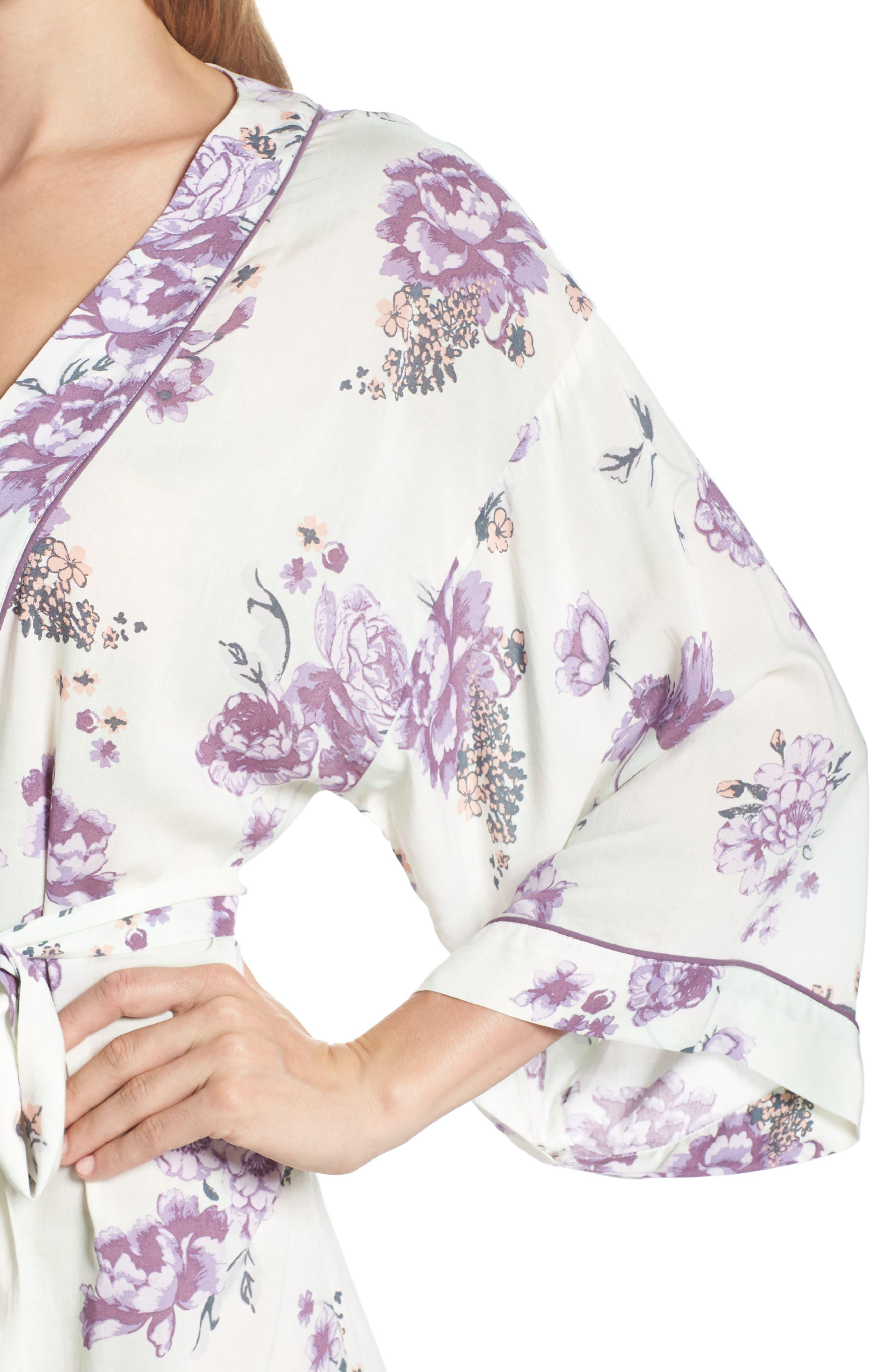 Alternate Image 4  - Nordstrom Lingerie Sweet Dreams Short Robe