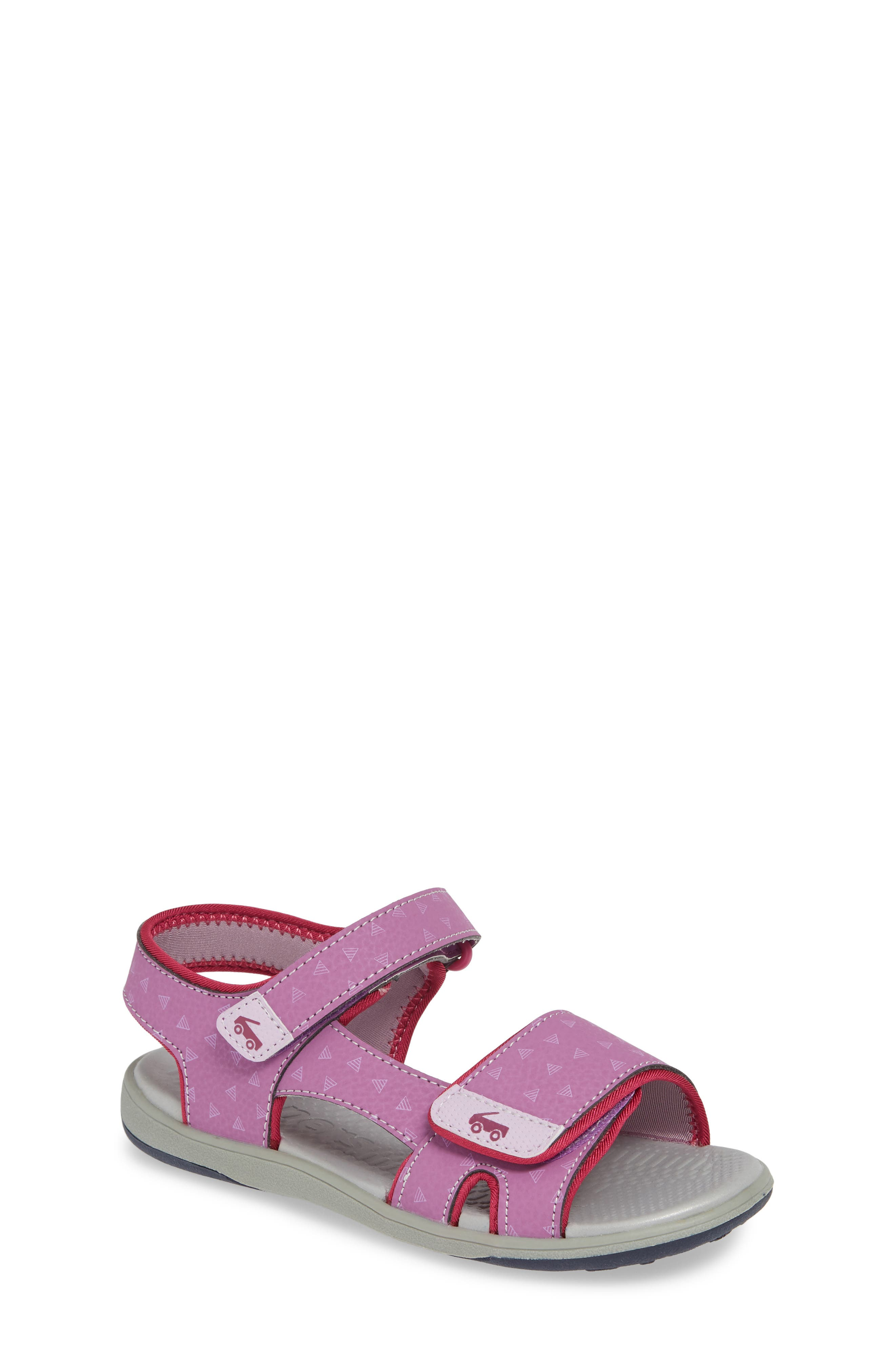 Clothing, Shoes & Accessories Toddler Girl Rubber Sole High Rise Slipper With Heart Detail And Foot Strap