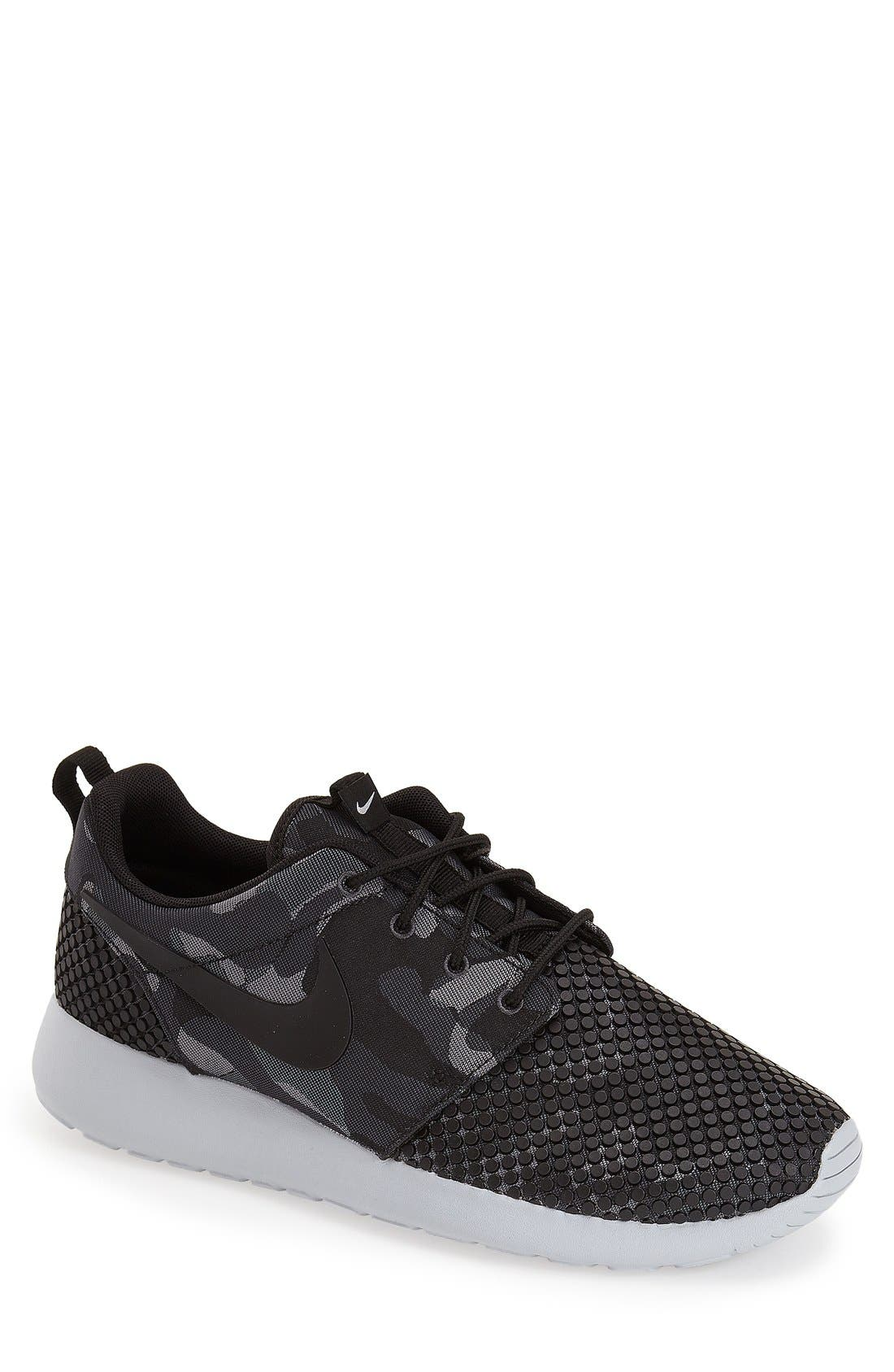 nike roshe one premium plus black and white comforter