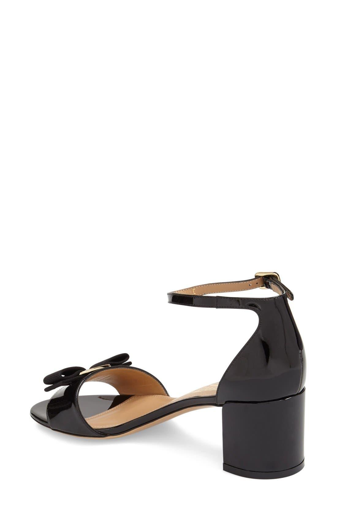 Gavina Block Heel Bow Sandal,                             Alternate thumbnail 2, color,                             Black Patent