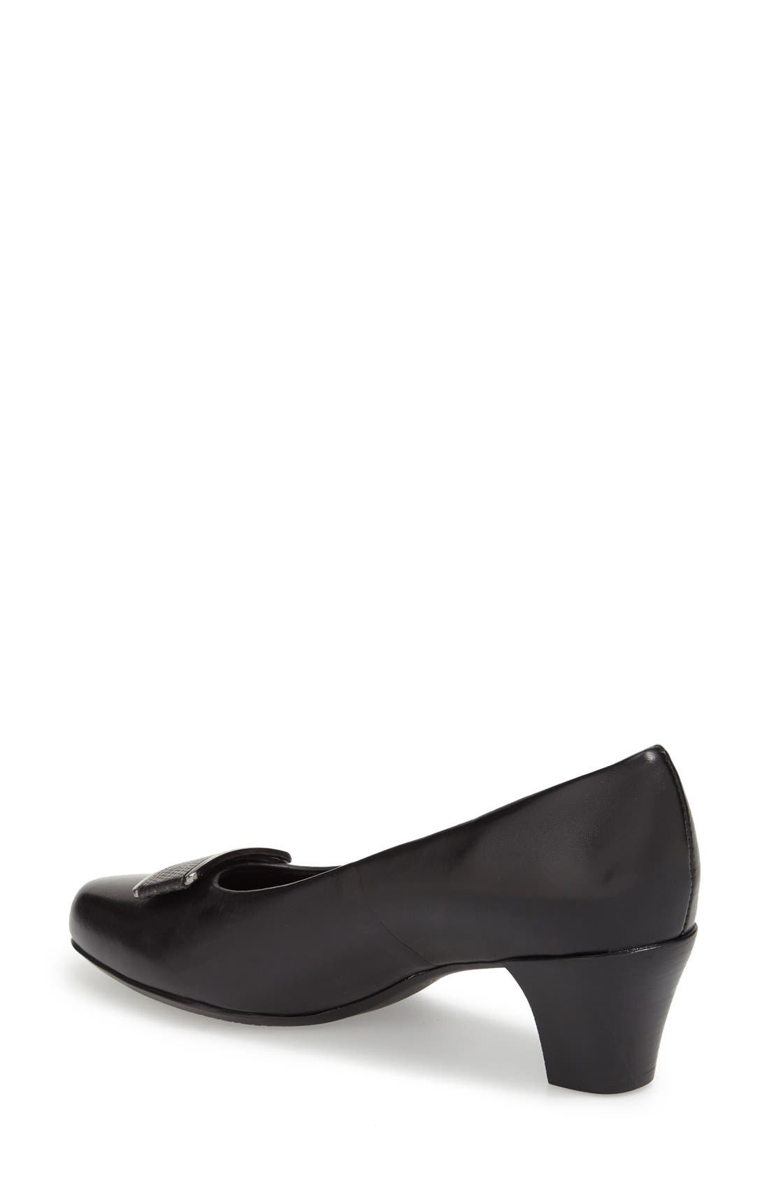 Alternate Image 2  - Munro 'Mara' Block Heel Pump (Women)