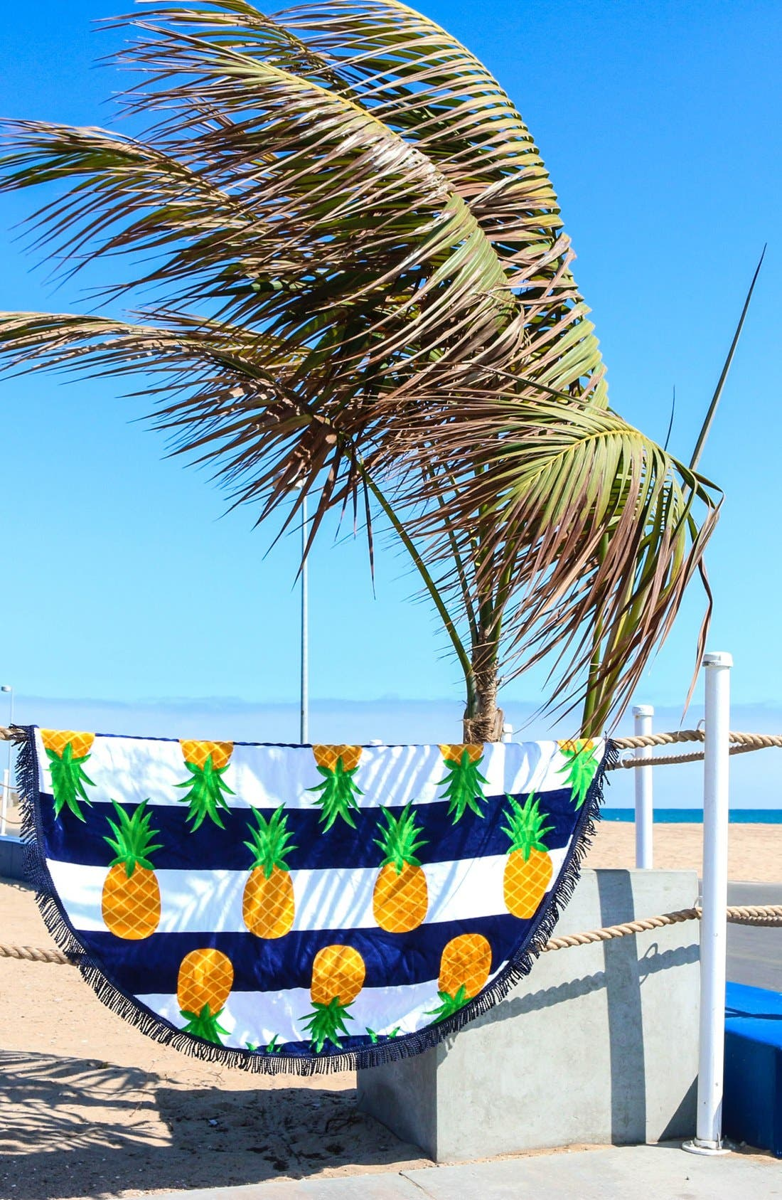 Alternate Image 2  - Round Towel Co. Nautical Pineapple Towel