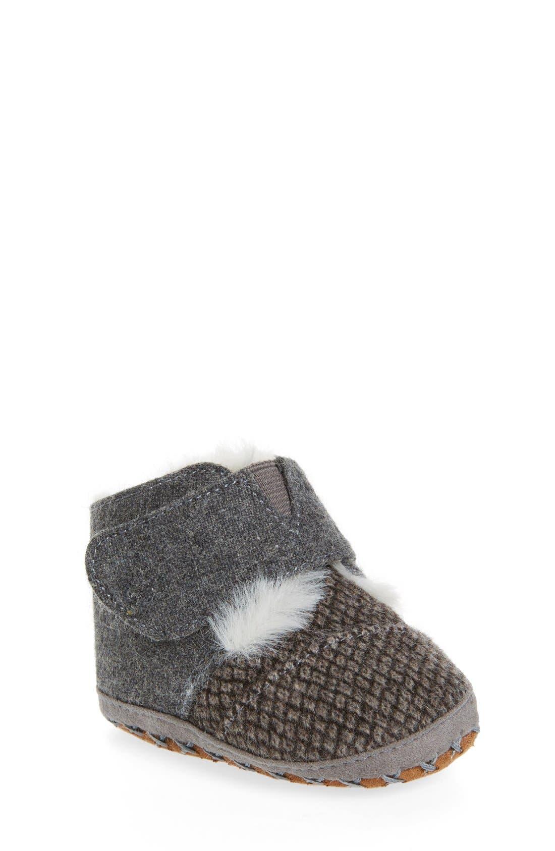 Cuna Crib Shoe,                         Main,                         color, Grey