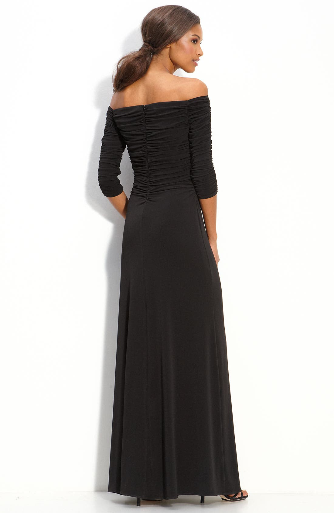 Alternate Image 2  - Laundry by Shelli Segal Off Shoulder Jersey Gown