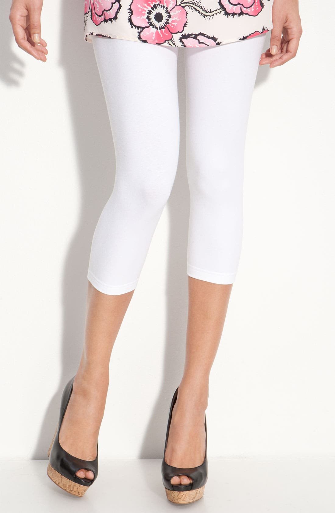 Alternate Image 1 Selected - Nordstrom Capri Leggings