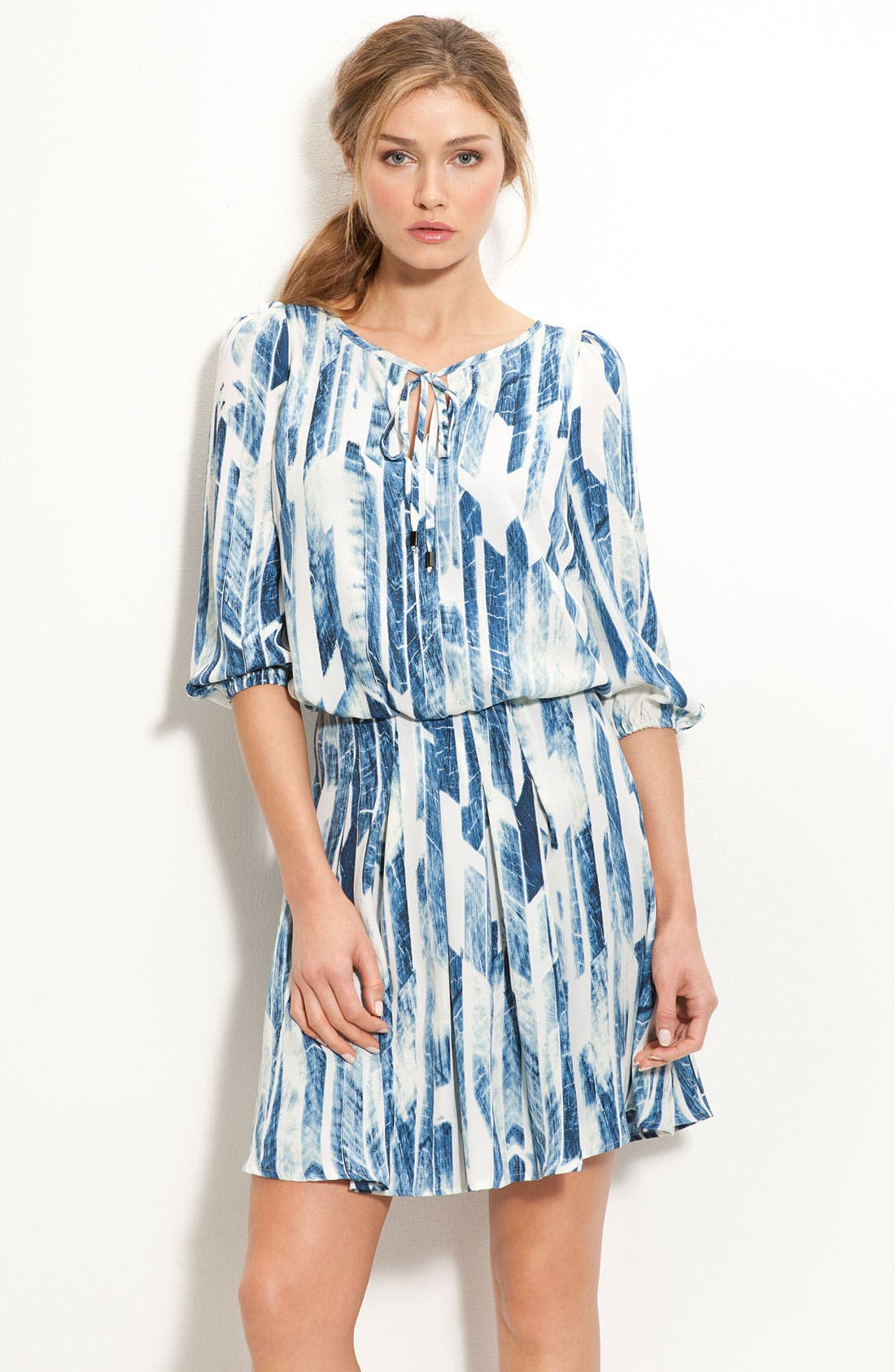 Main Image - Vince Camuto Crêpe de Chine Keyhole Dress