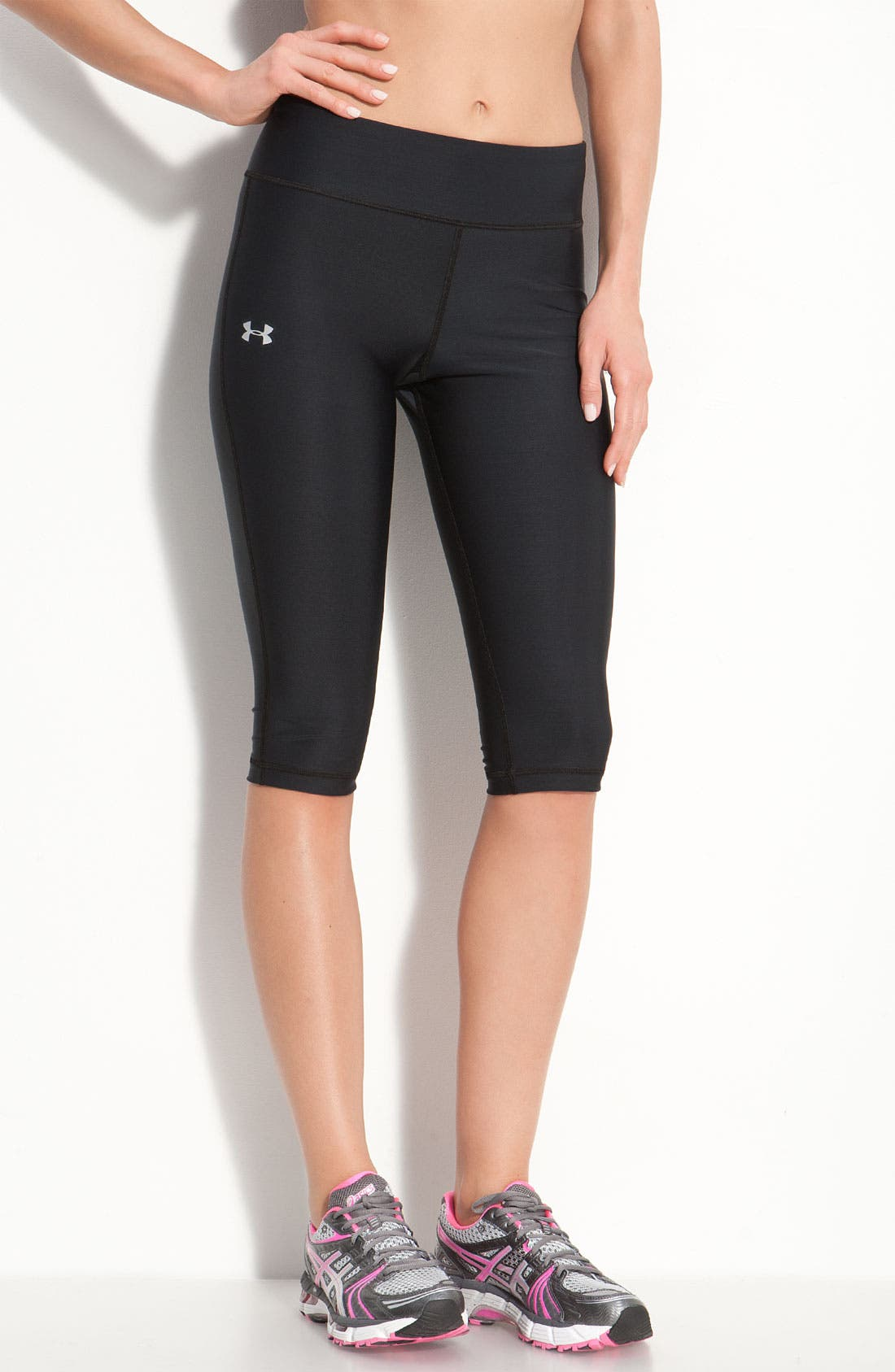 Alternate Image 1 Selected - Under Armour 'Squat' HeatGear® Capris