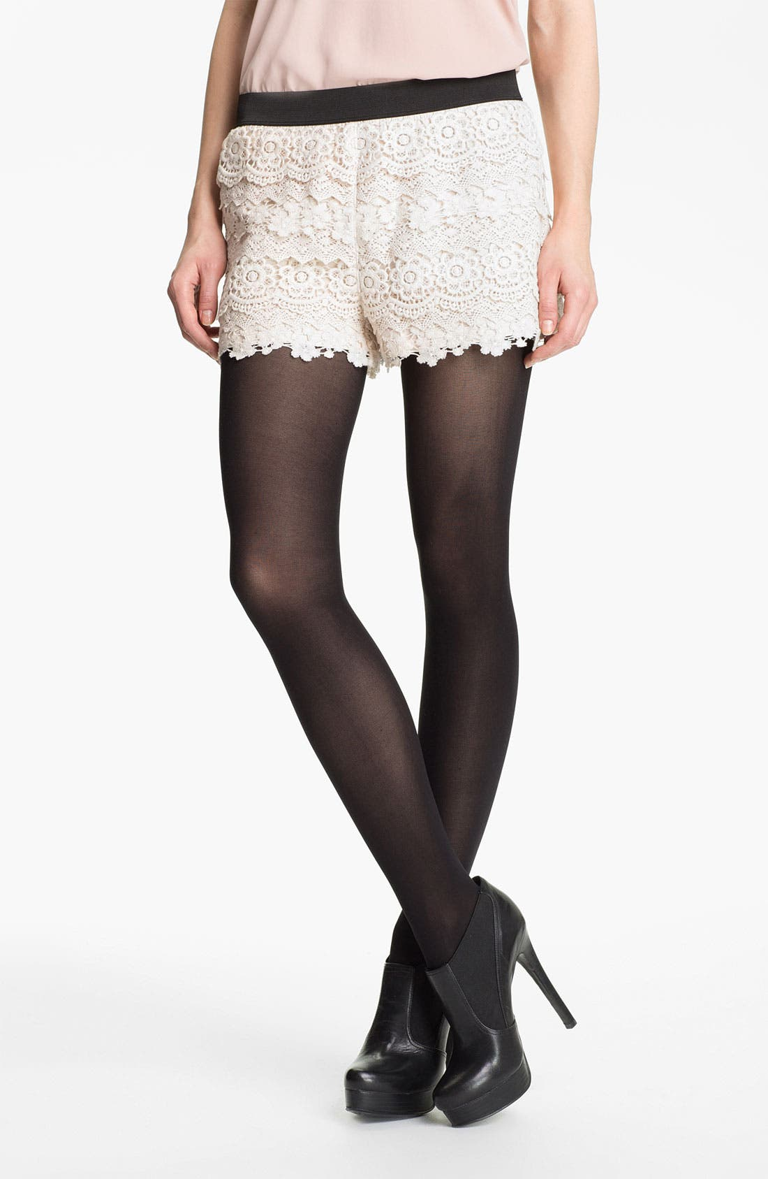 Main Image - Mimi Chica Tiered Lace Shorts (Juniors)