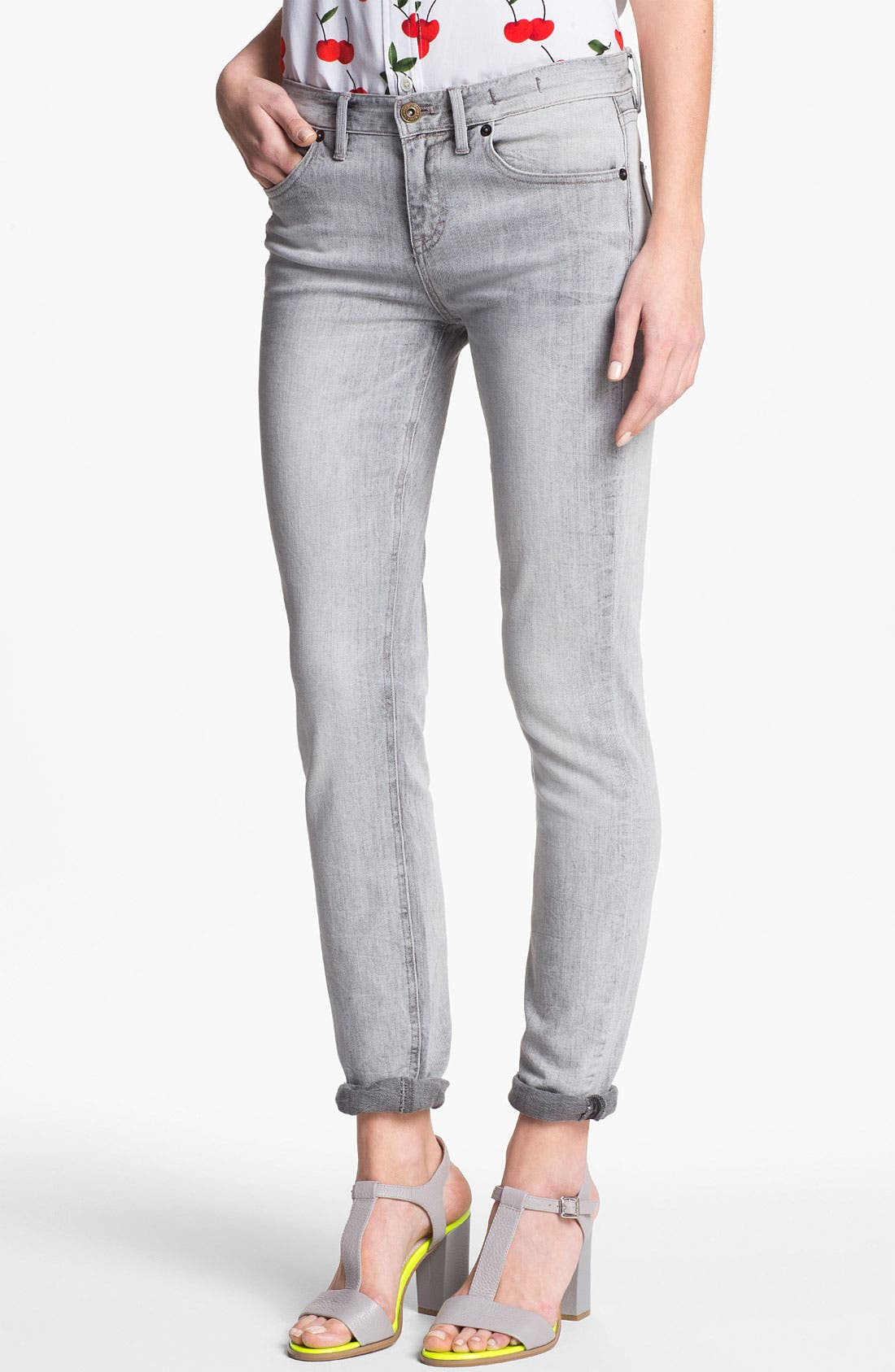 Main Image - Two by Vince Camuto 'Shorty' Jeans (Sandy Grey)