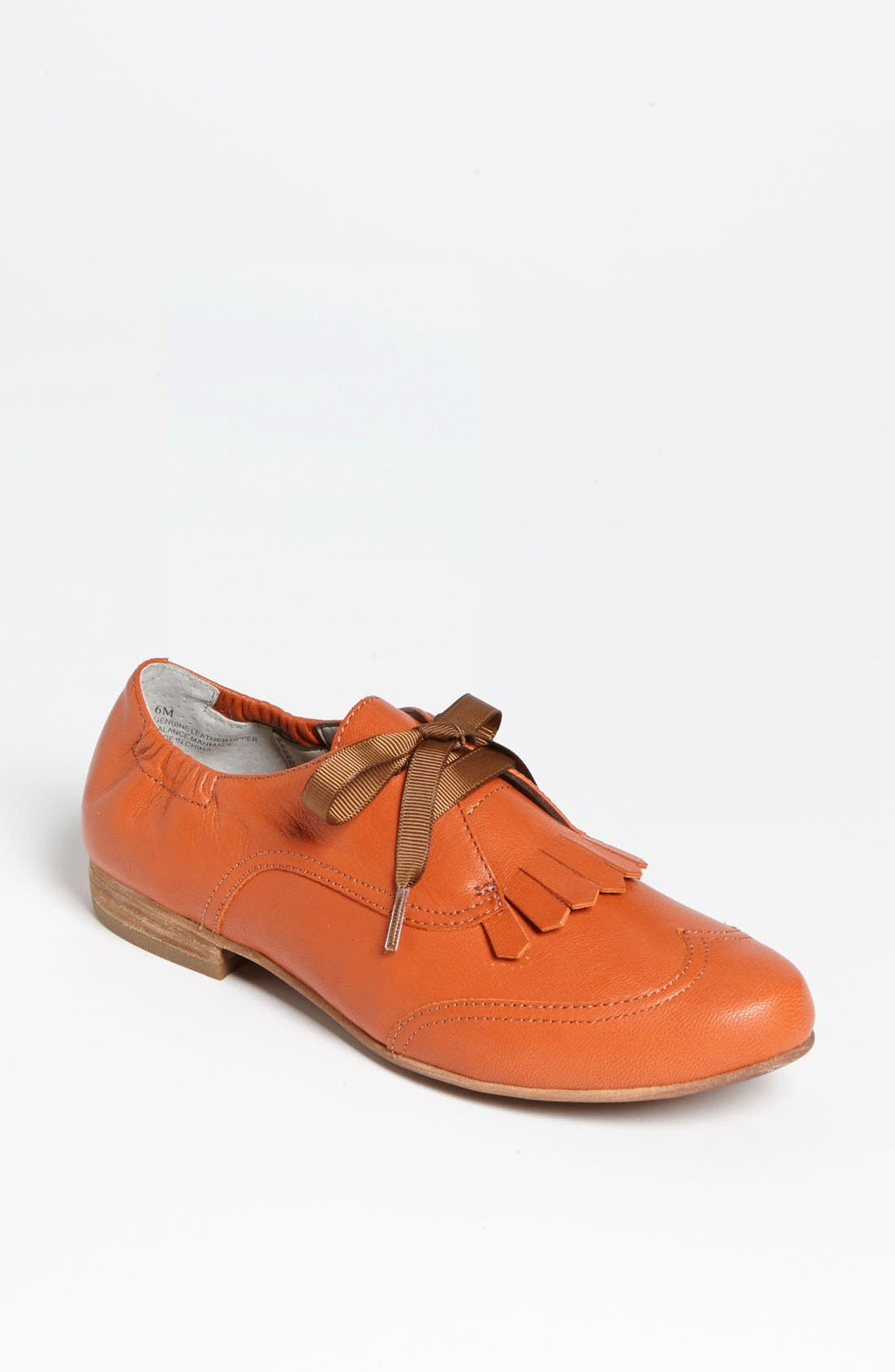 Alternate Image 1 Selected - Hinge® 'Mason' Kiltie Oxford Flat