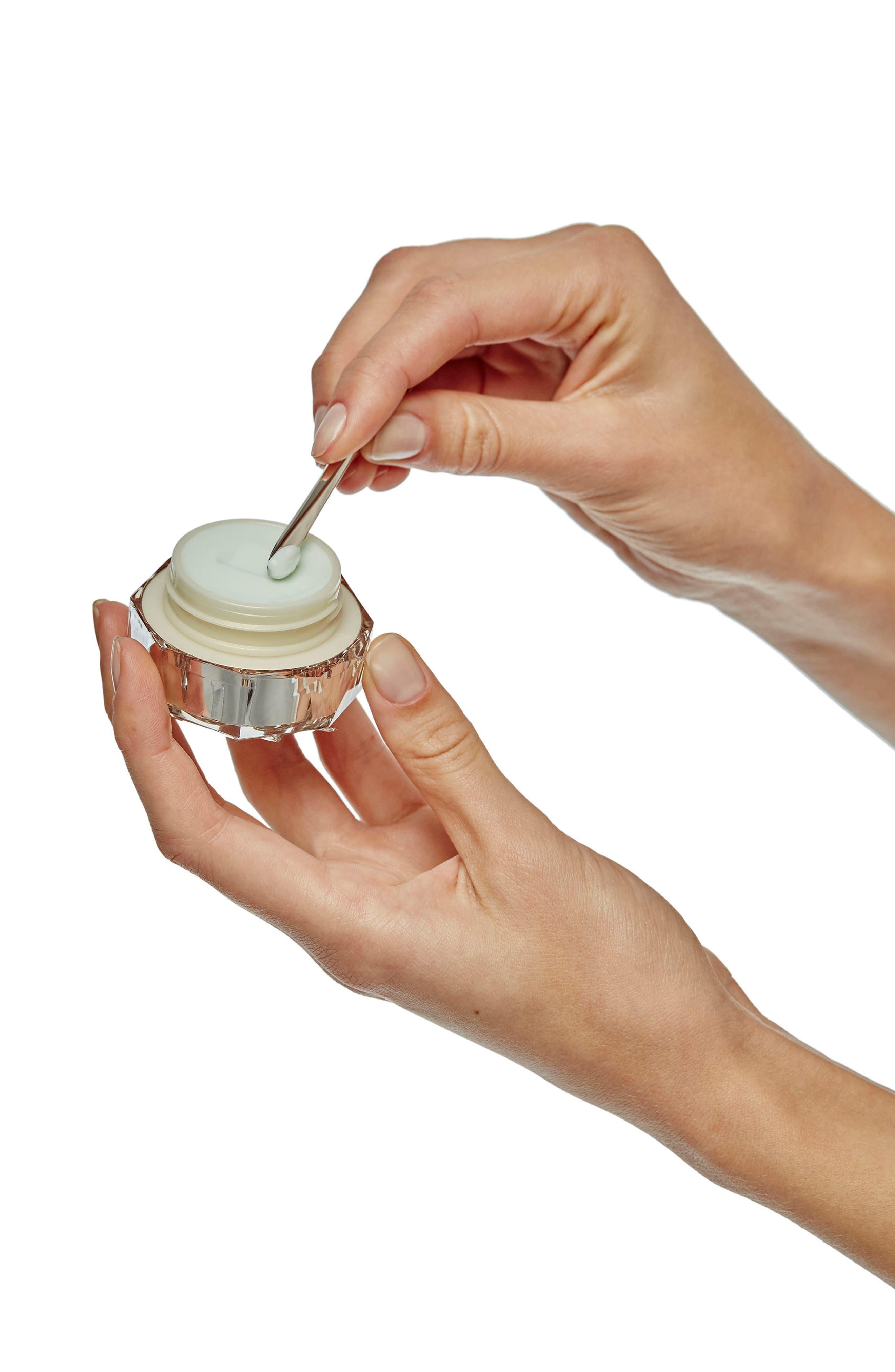 Alternate Image 2  - Clé de Peau Beauté Intensive Eye Contour Cream