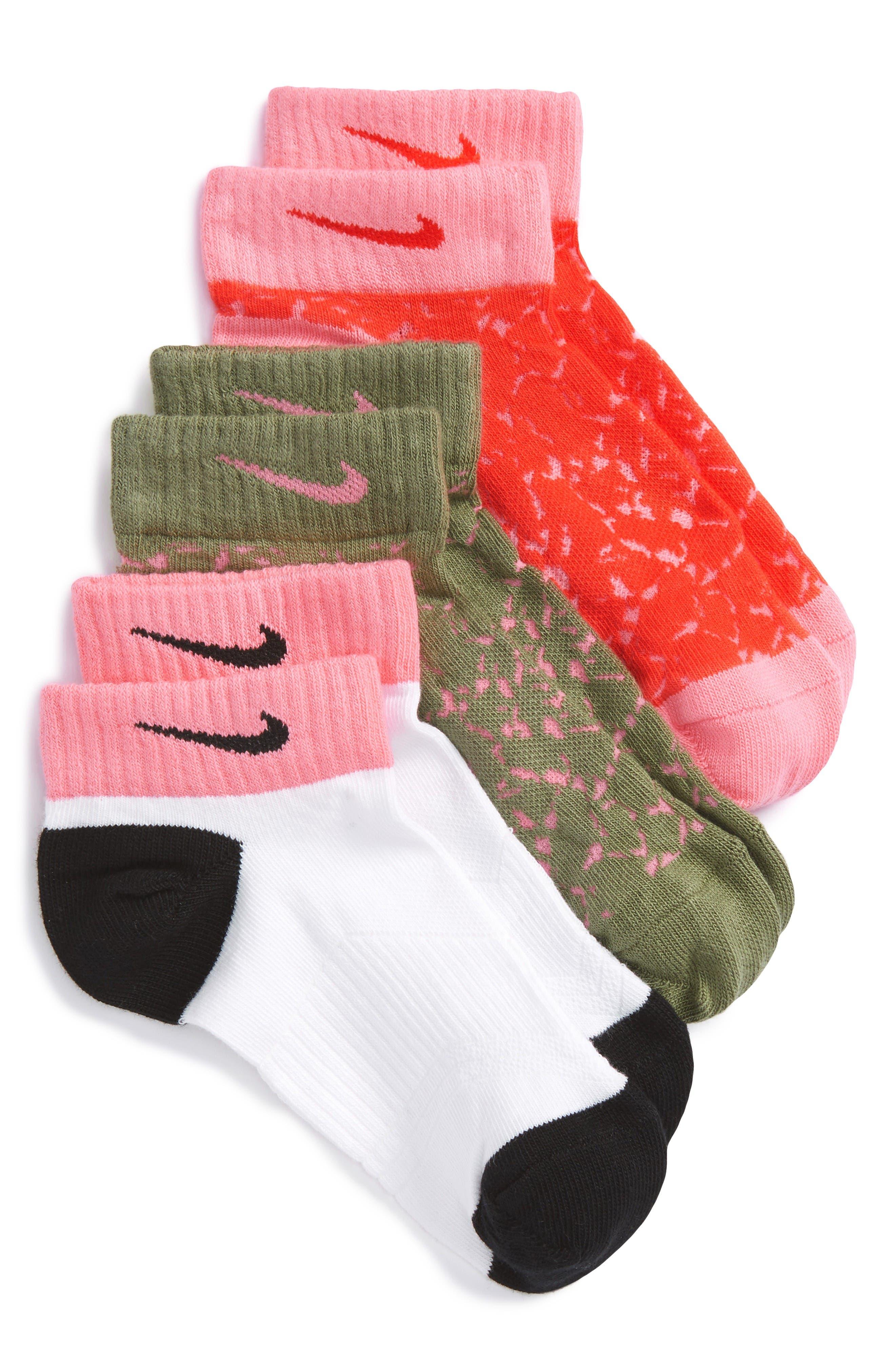 Alternate Image 1 Selected - Nike Low Cut Graphic Socks (Kids)
