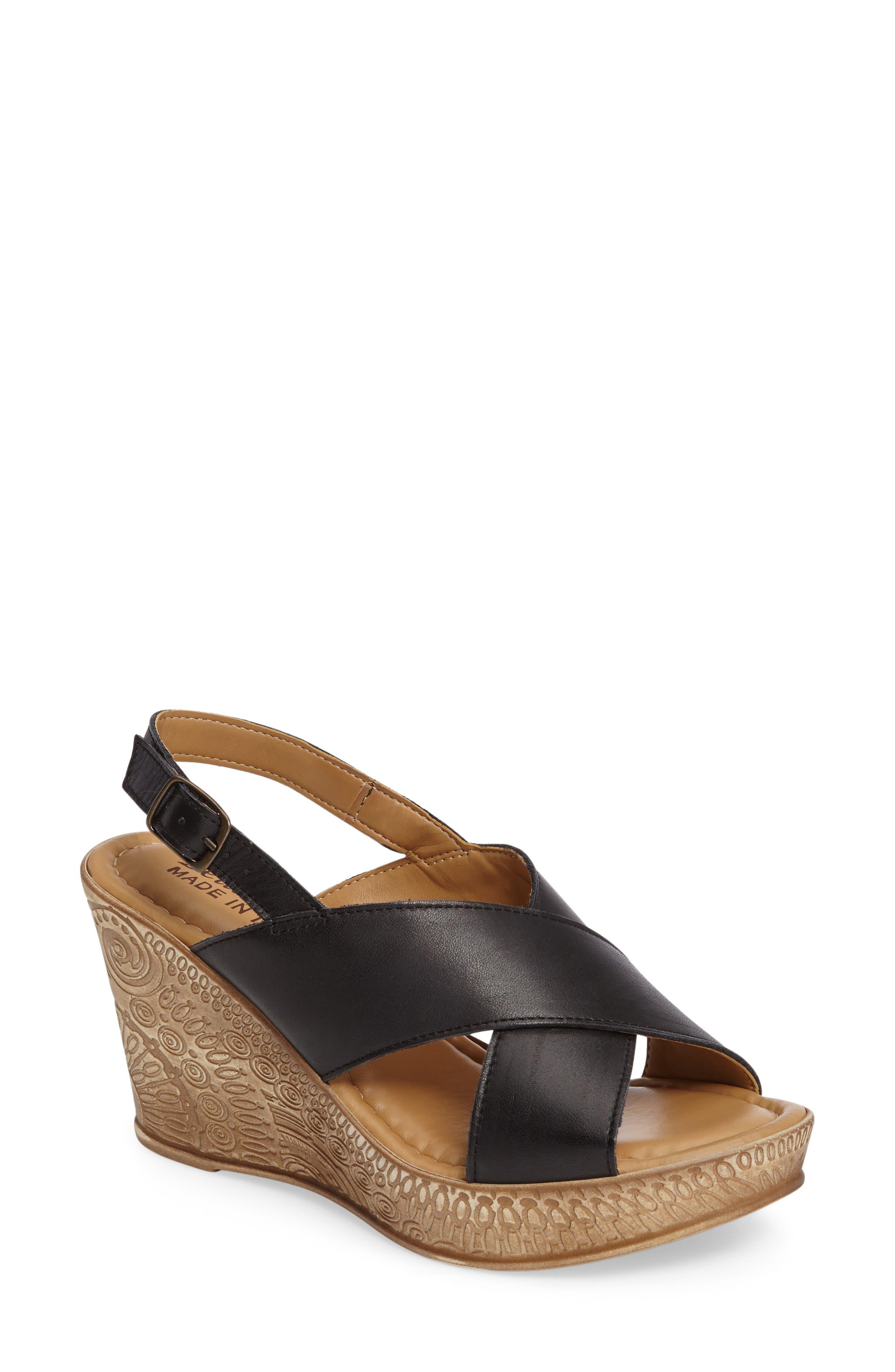 Bella Vita Lea Wedge Sandal (Women)