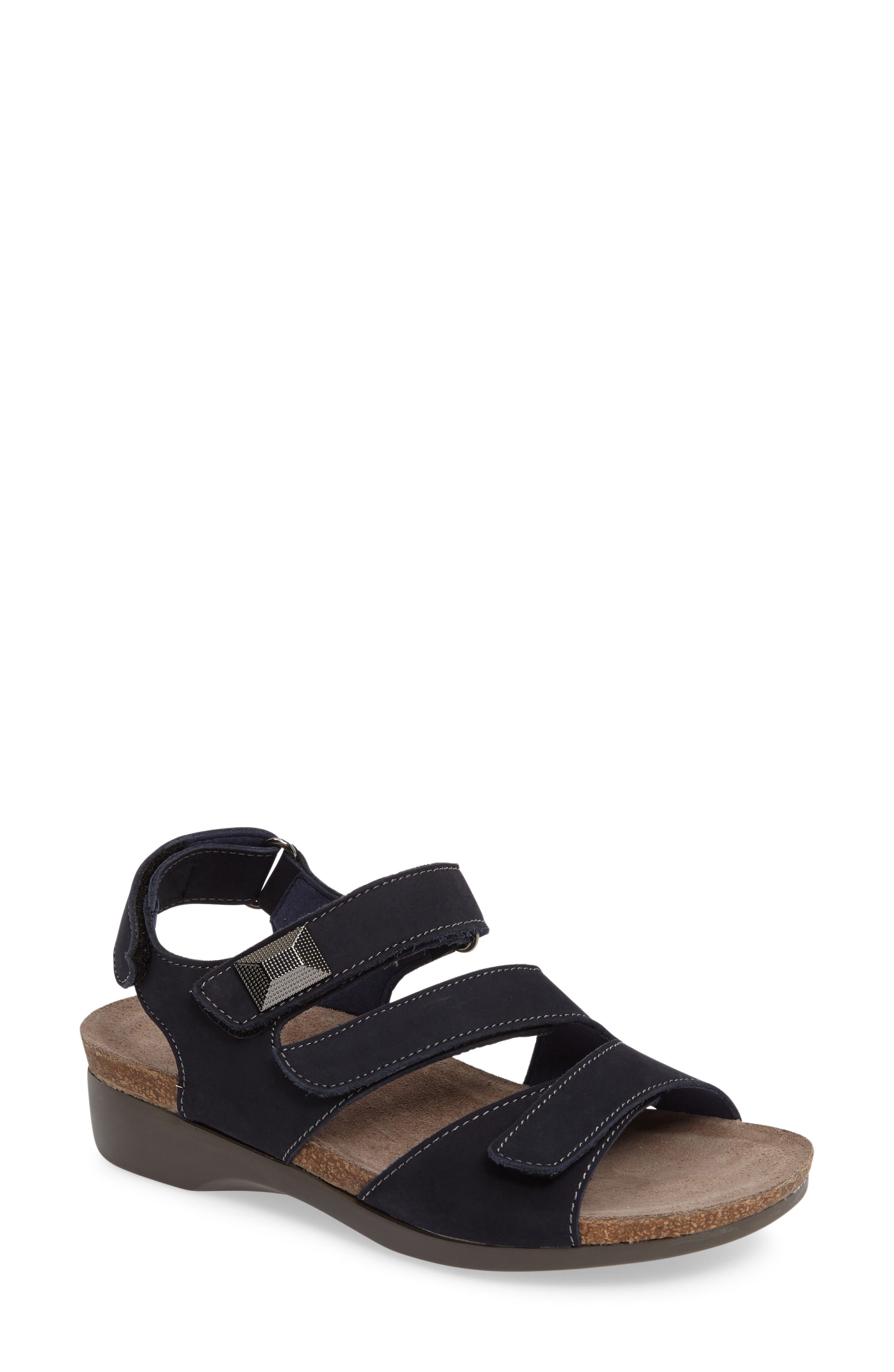 Alternate Image 1 Selected - Munro Antila Sandal (Women)