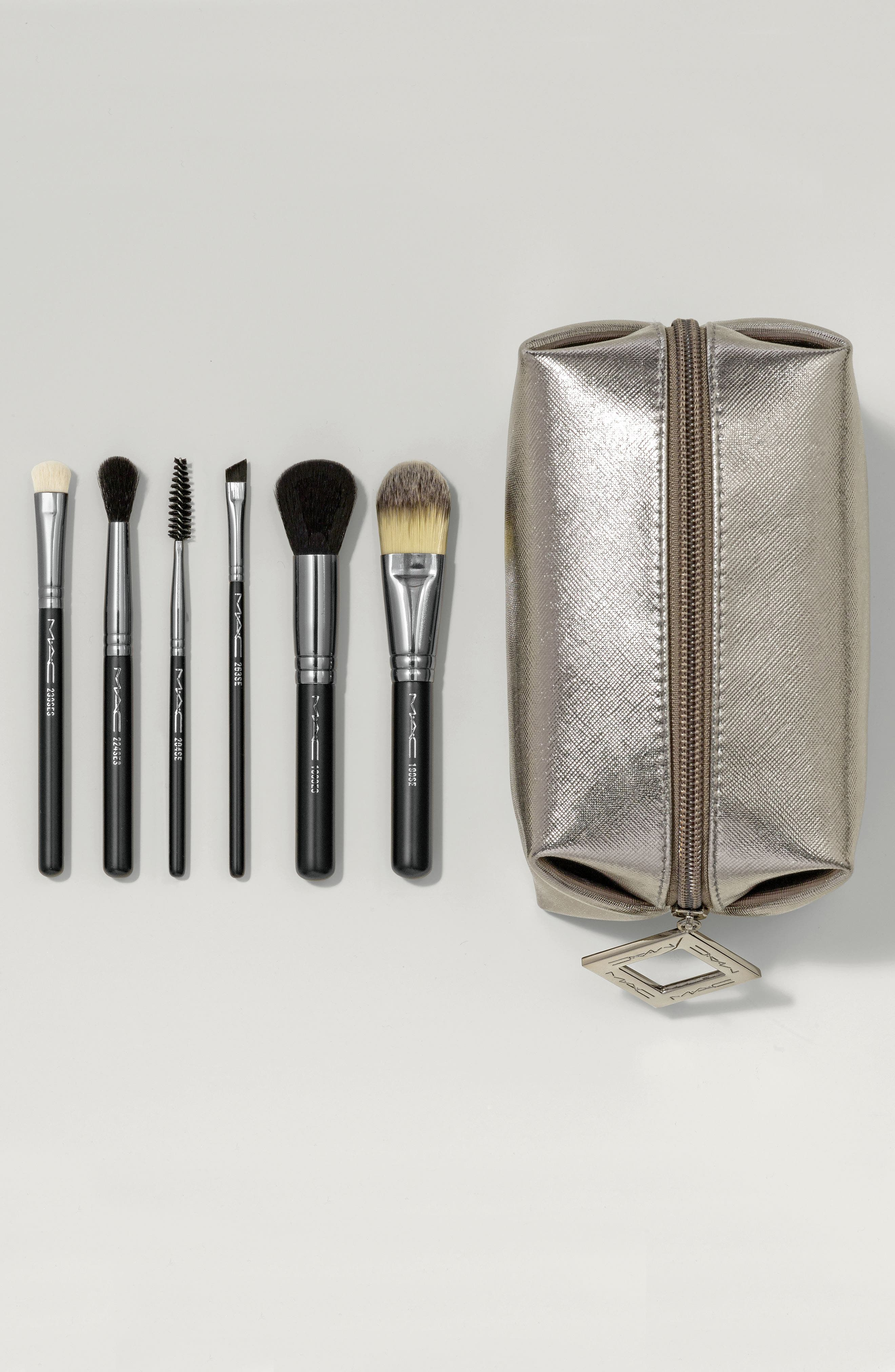 Alternate Image 3  - MAC Look in a Box Basic Travel Brush Kit (Nordstrom Exclusive) ($162 Value)