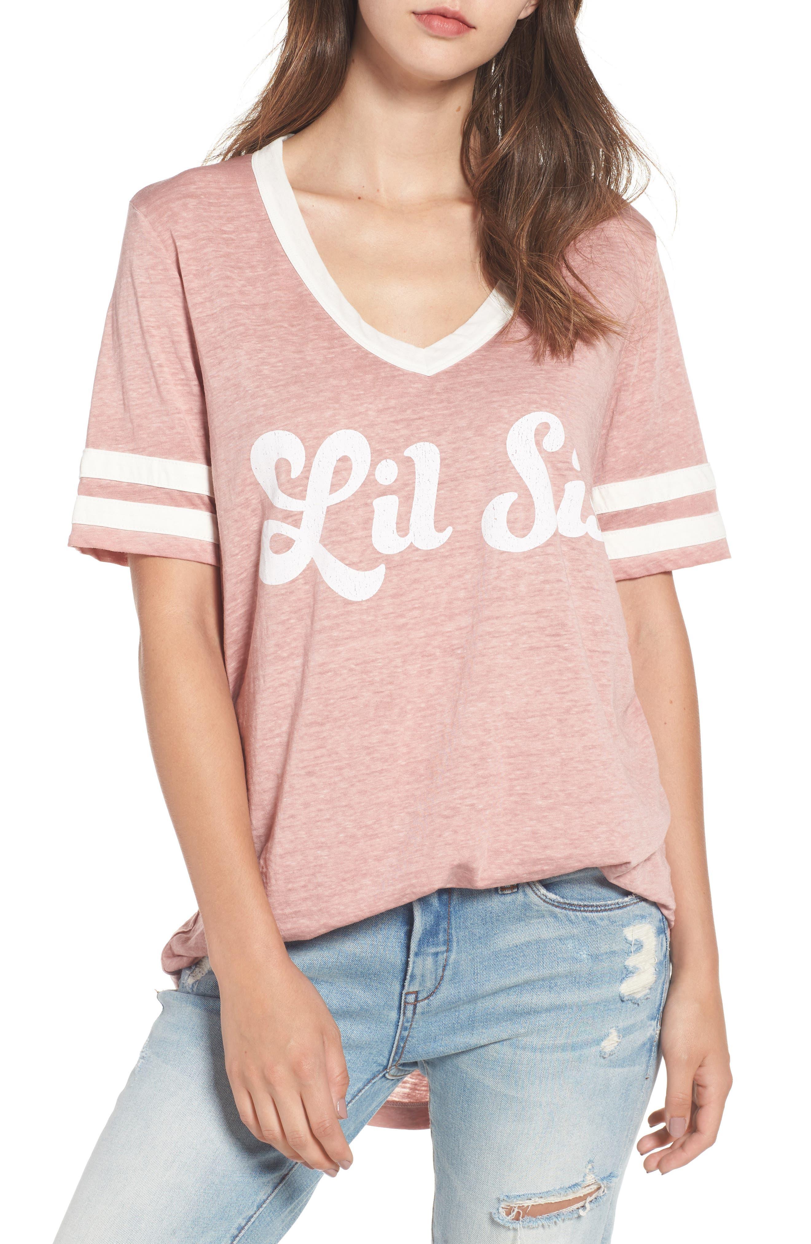 SHOW ME YOUR MUMU Boyfriend Cuddle T-Shirt