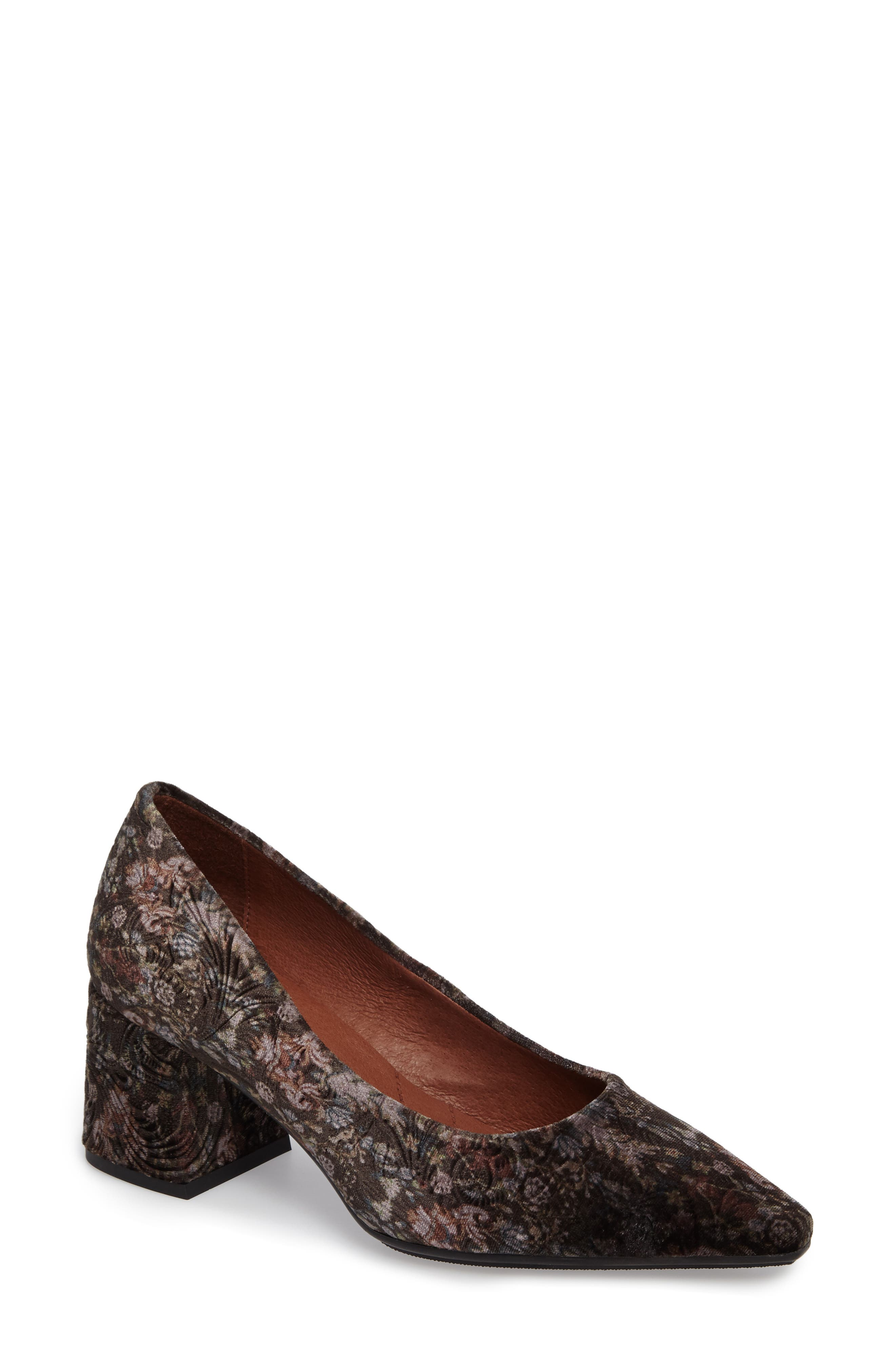 Carson Pointy Toe Pump,                         Main,                         color, Grey Leather