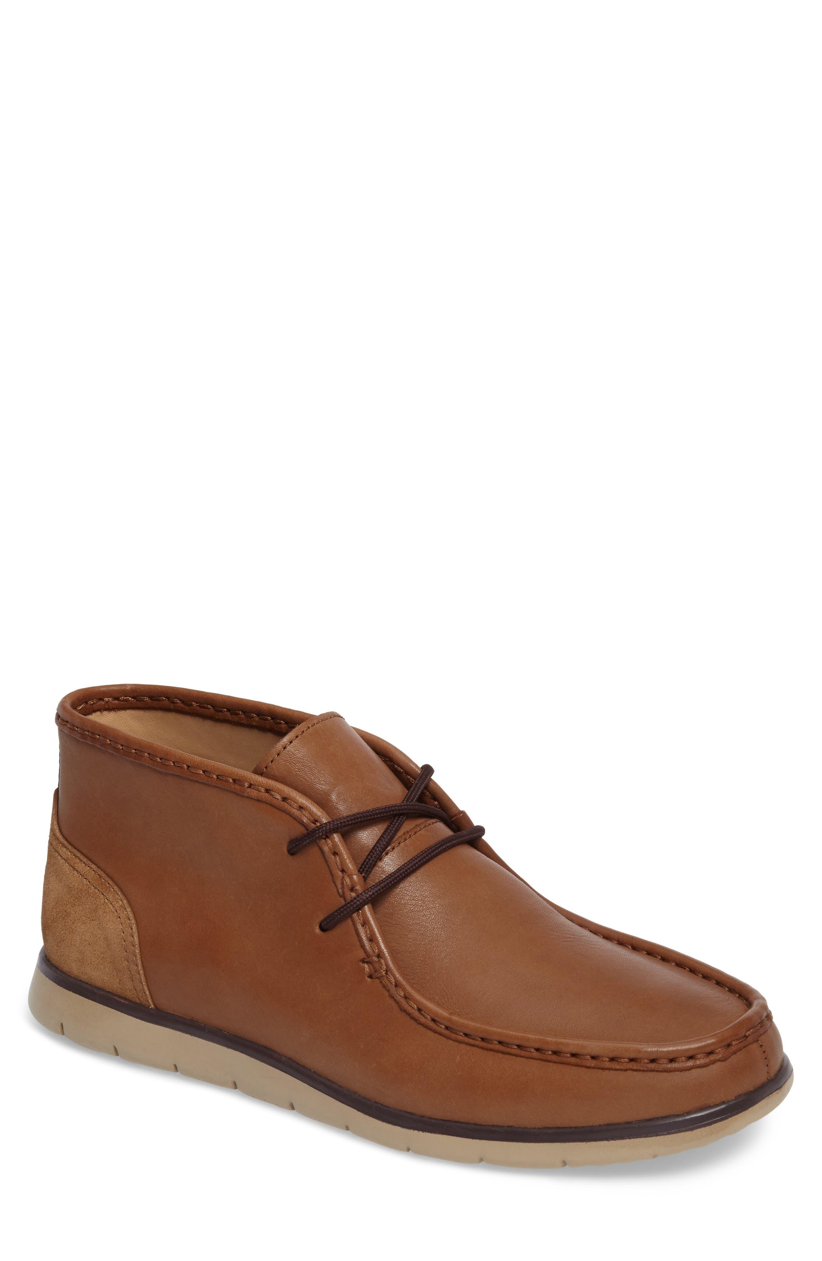 Alternate Image 1 Selected - UGG® 'Hendrickson' Chukka Boot (Men)