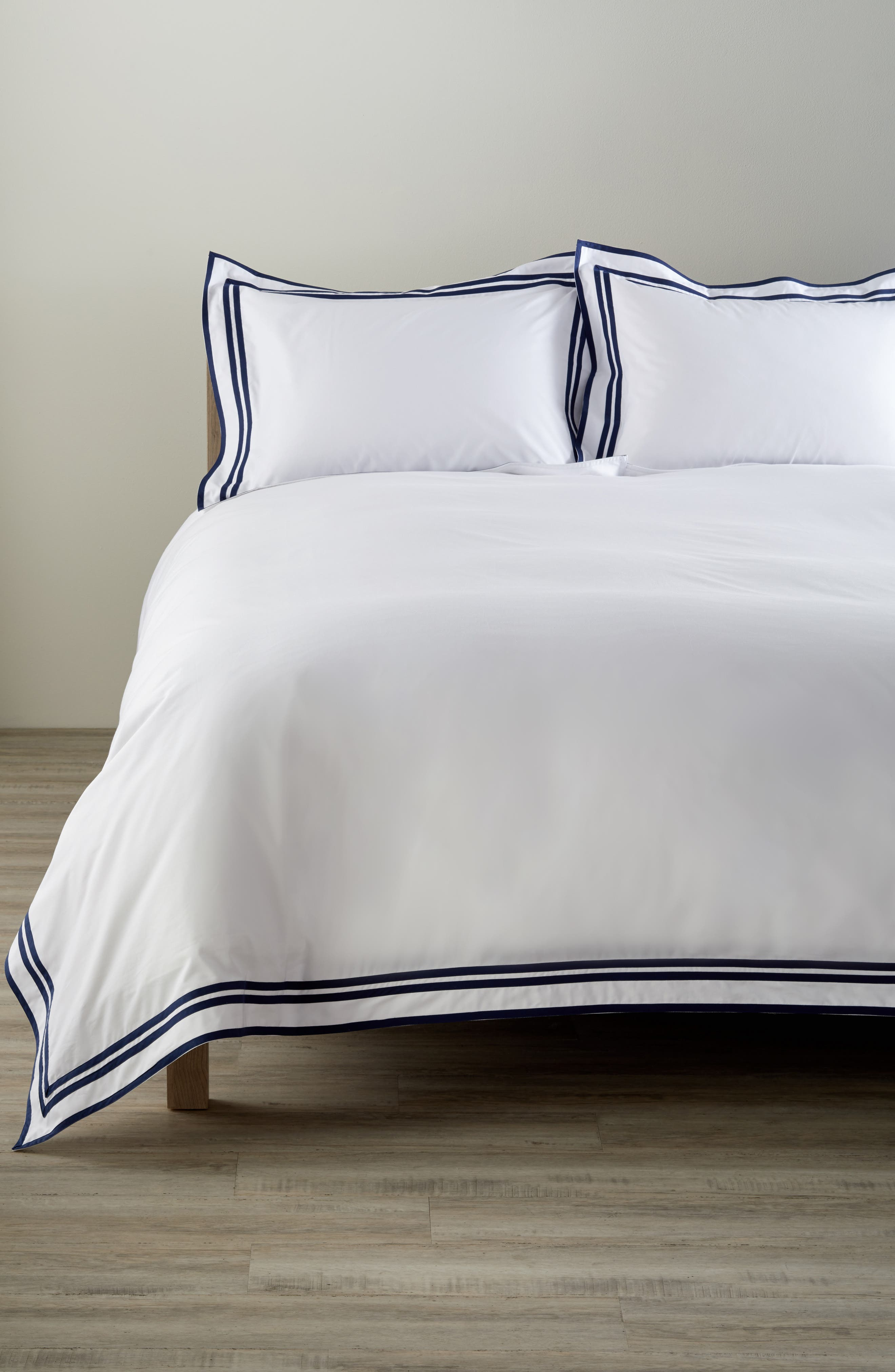 Meridian 350 Thread Count Duvet Cover,                         Main,                         color, Navy