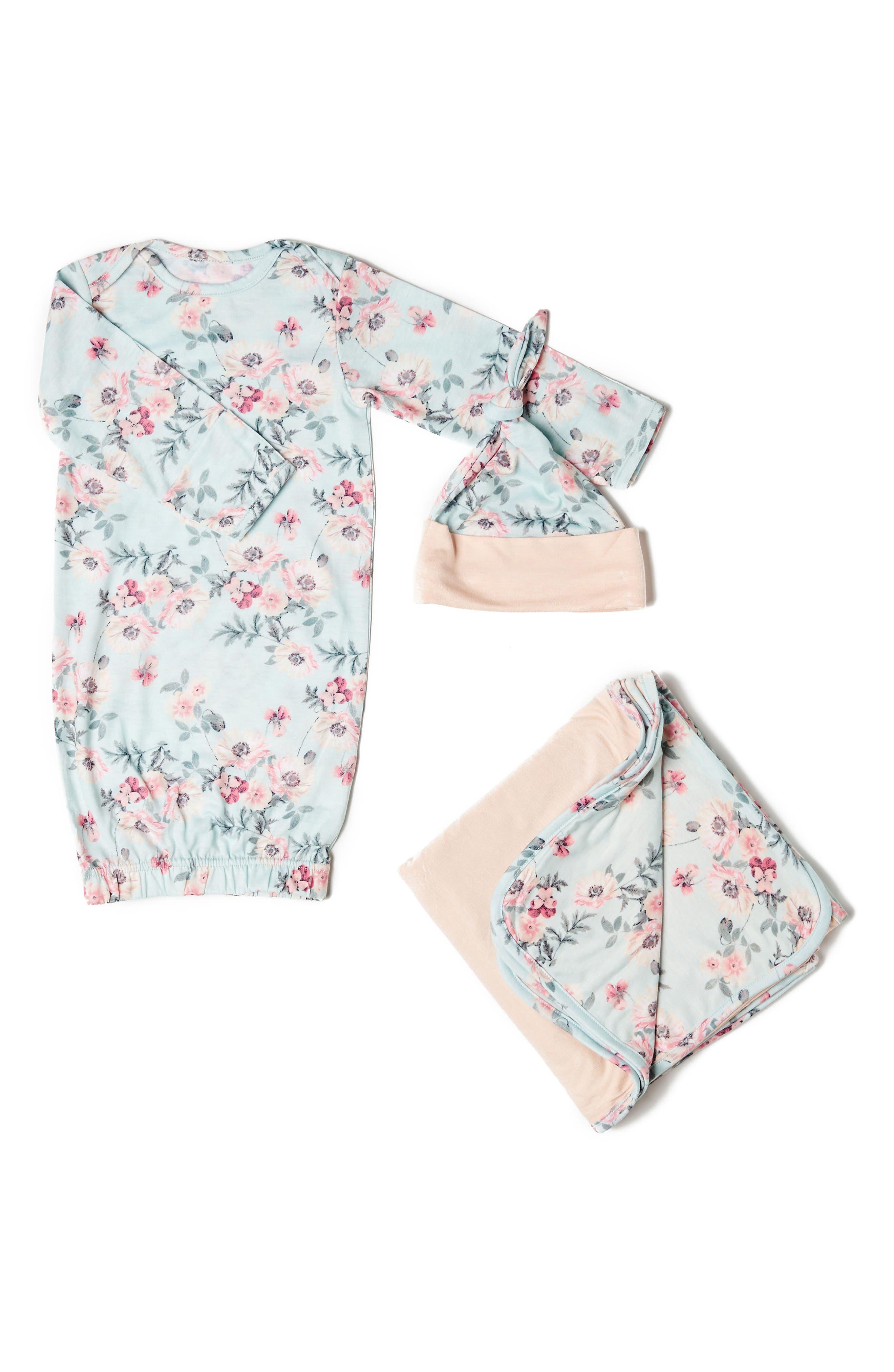 Main Image - Baby Grey Gown, Hat & Blanket Set (Baby Girls)