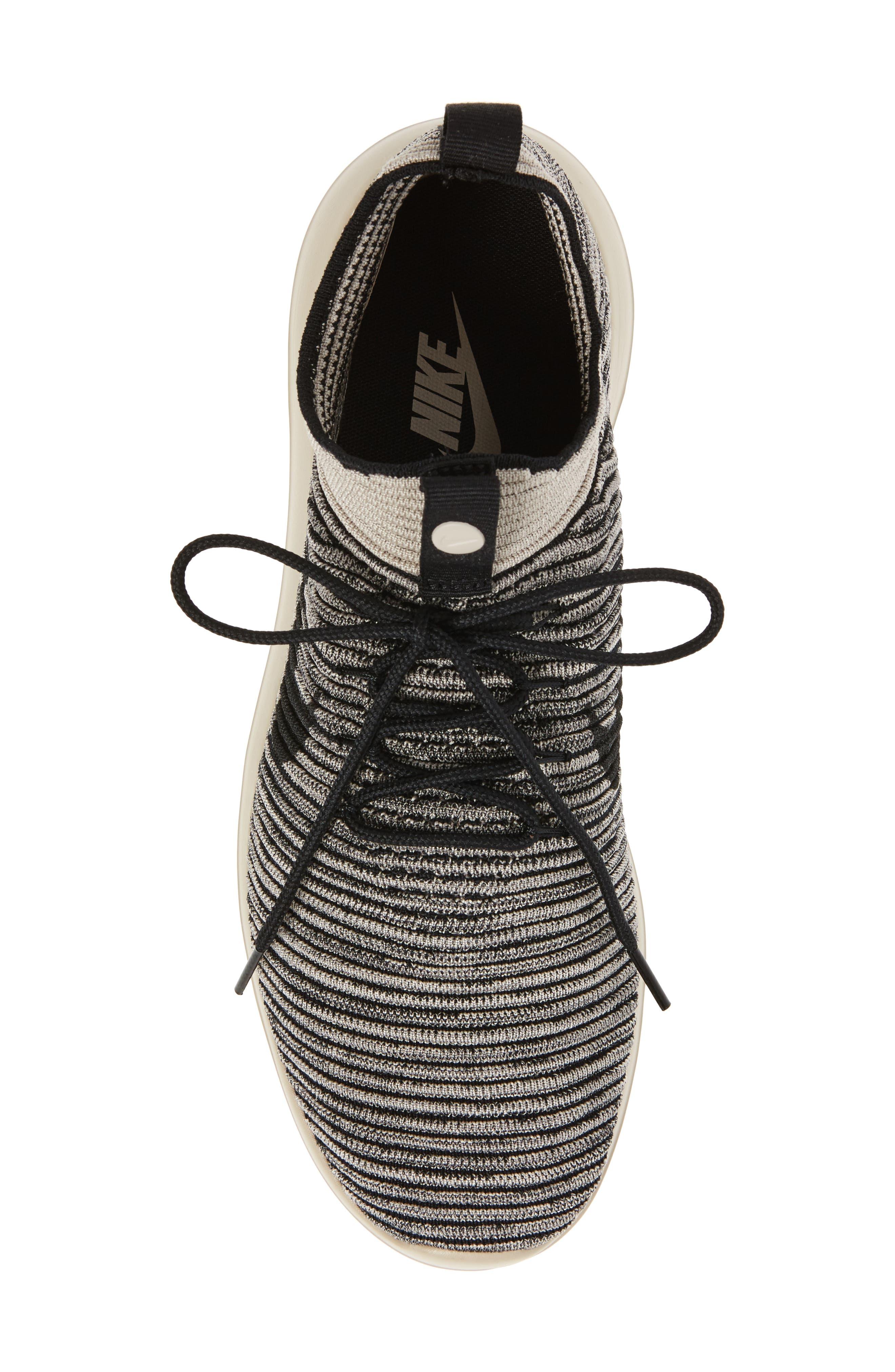 Alternate Image 5  - Nike Roshe Two Flyknit V2 Sneaker (Men)