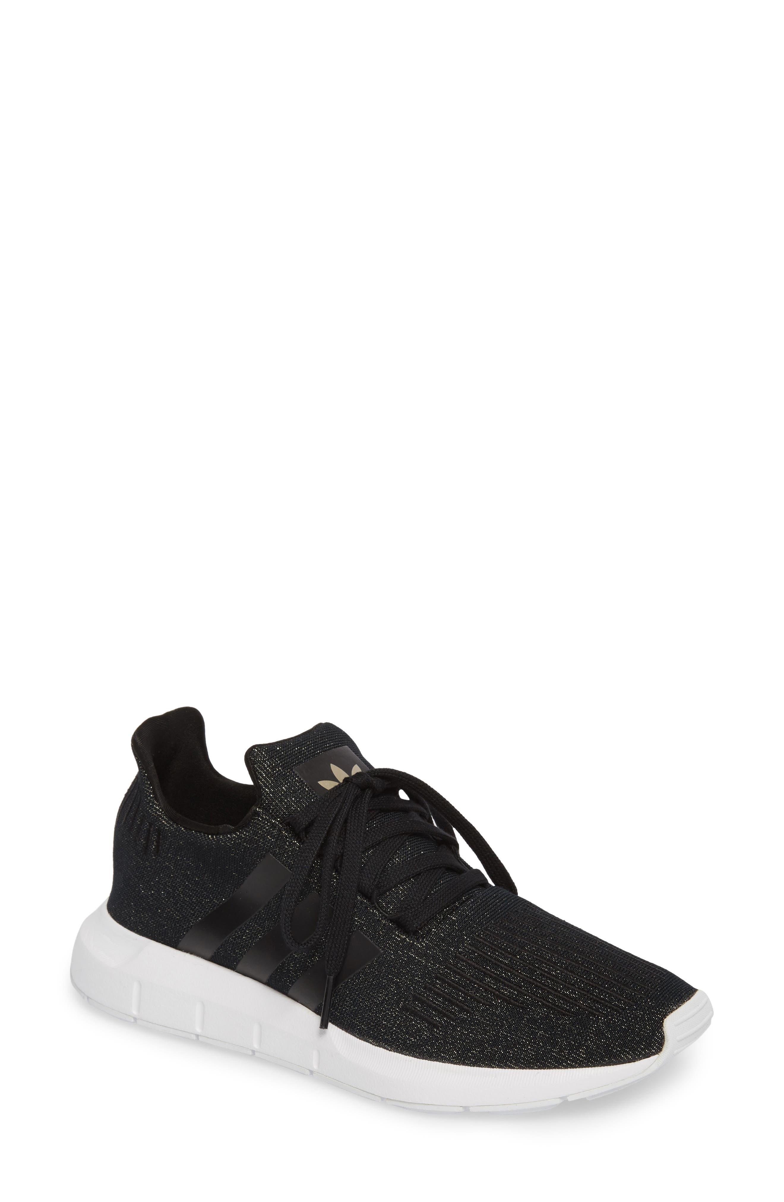 black scarpe adidas per le donne: abbigliamento, accessori e calzature