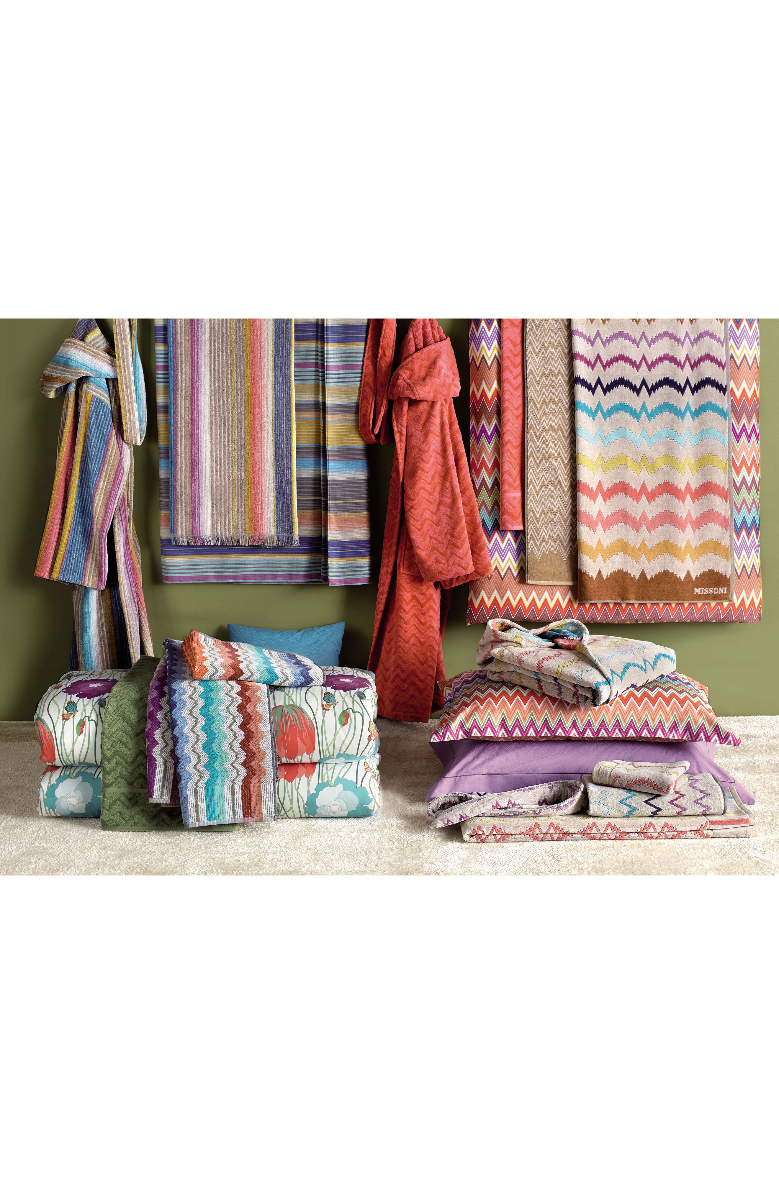 Vera Bath Towel,                             Alternate thumbnail 2, color,                             Multi