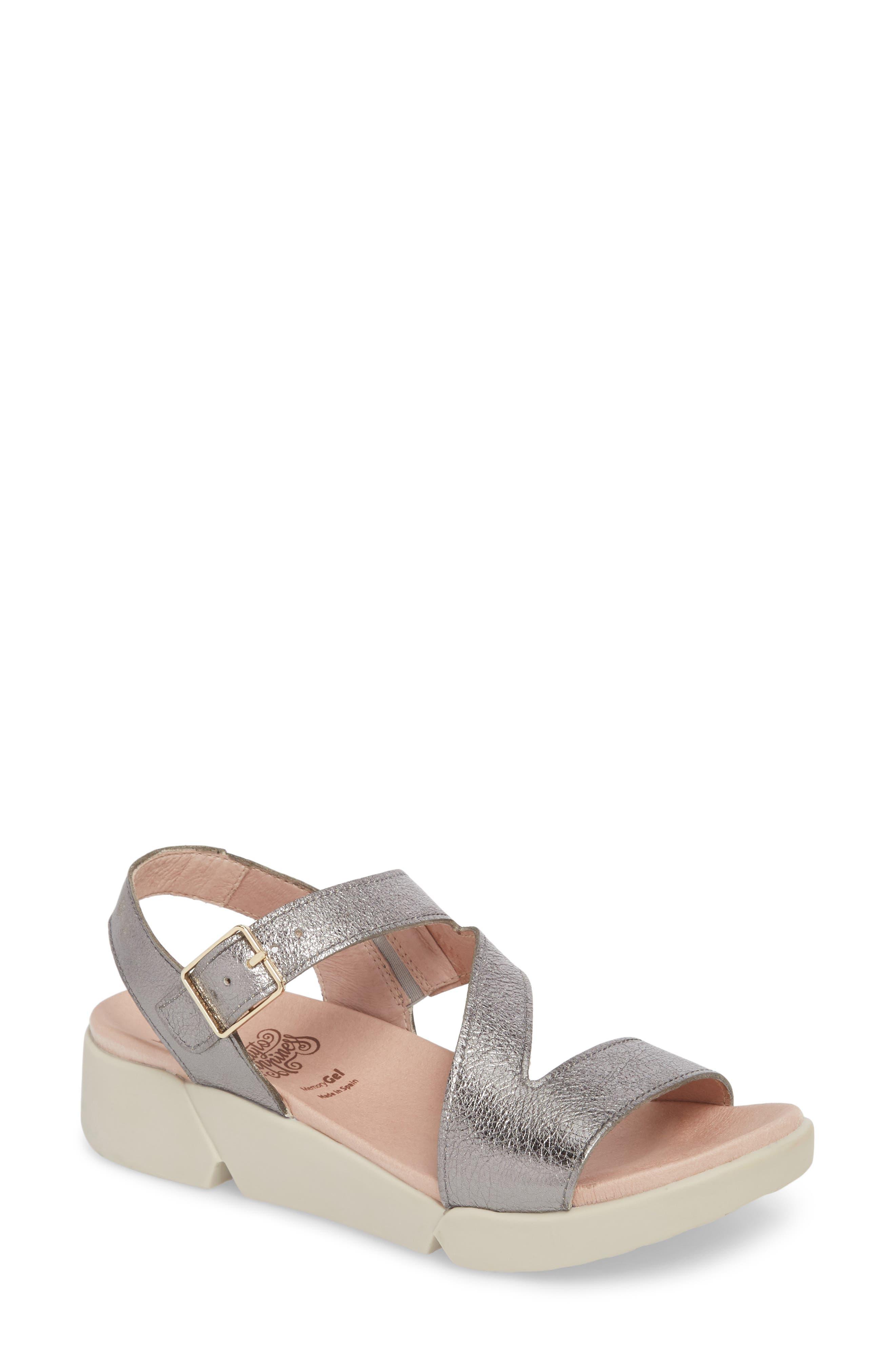 WONDERS Platform Wedge Sandal in Grey Leather