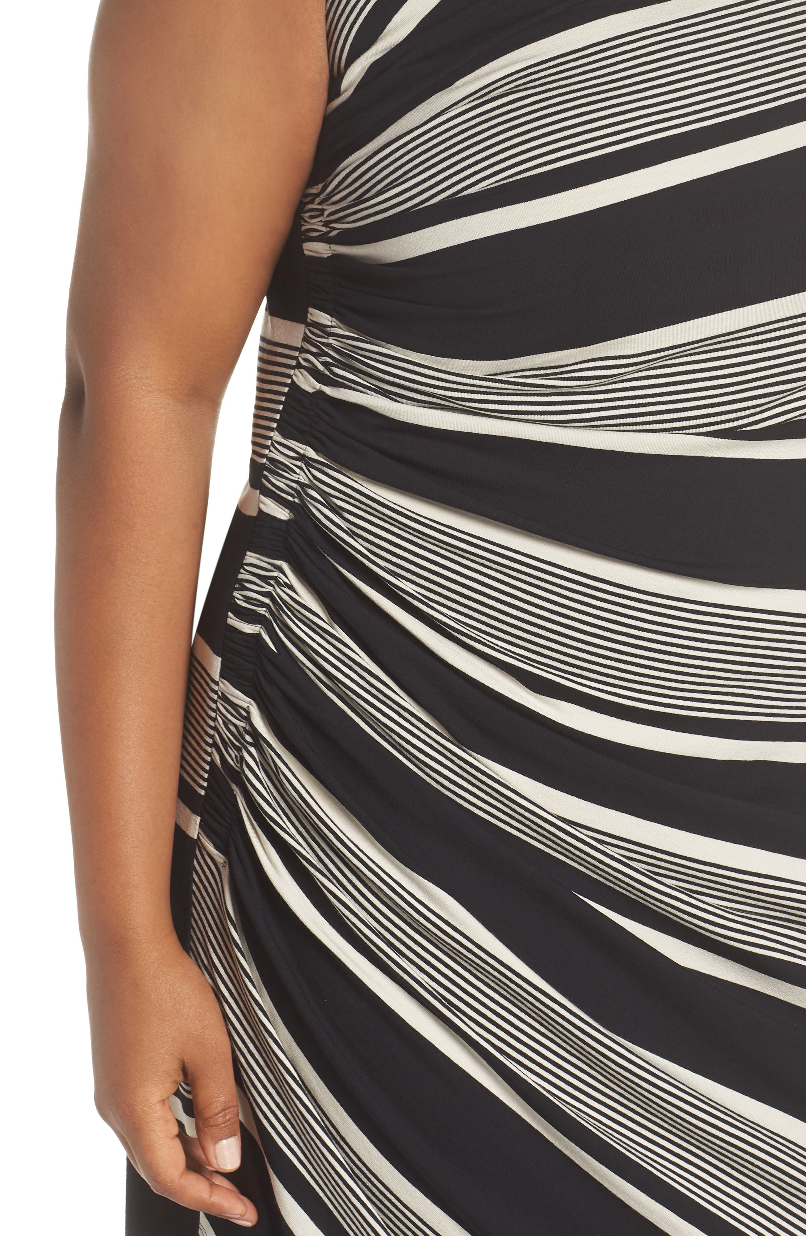 Venue Block Stripe Ruched Body-Con Dress,                             Alternate thumbnail 4, color,                             Rich Black